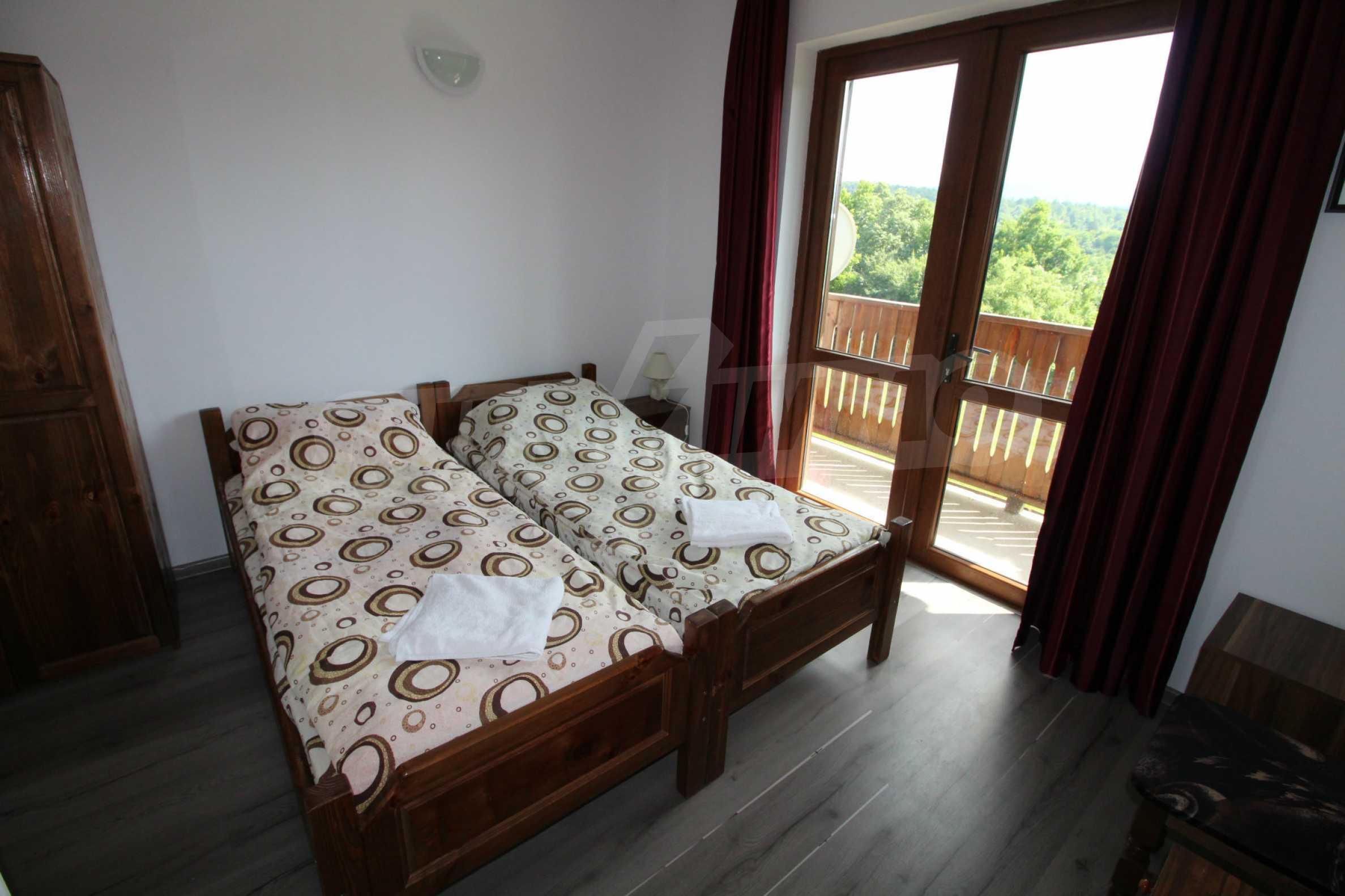 Уникално вилно селище с кръгли къщи на 50 км от Велико Търново  18