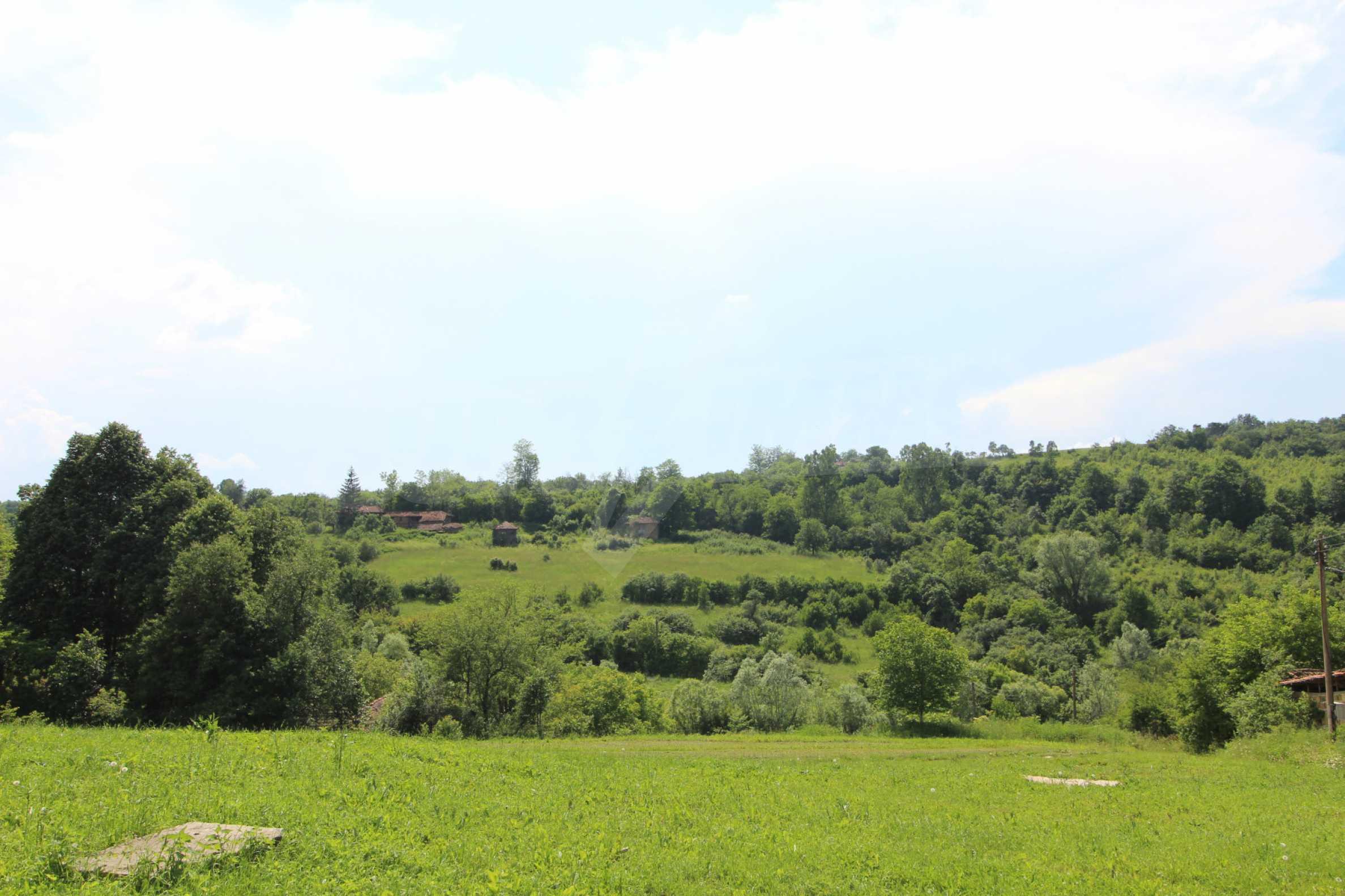 Уникално вилно селище с кръгли къщи на 50 км от Велико Търново  60