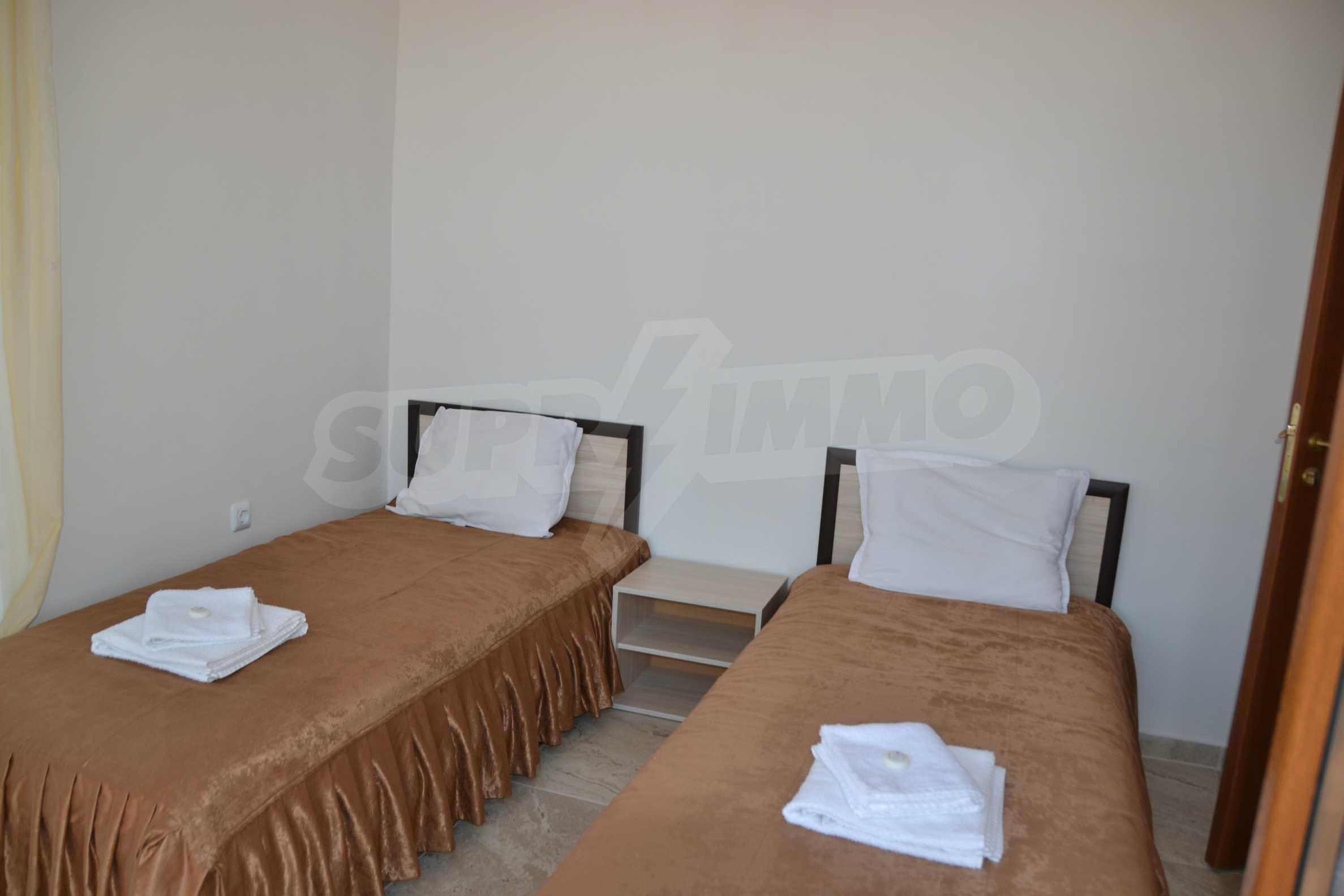 Тристайни апартаменти в комплекс от затворен тип в Свети Влас 19
