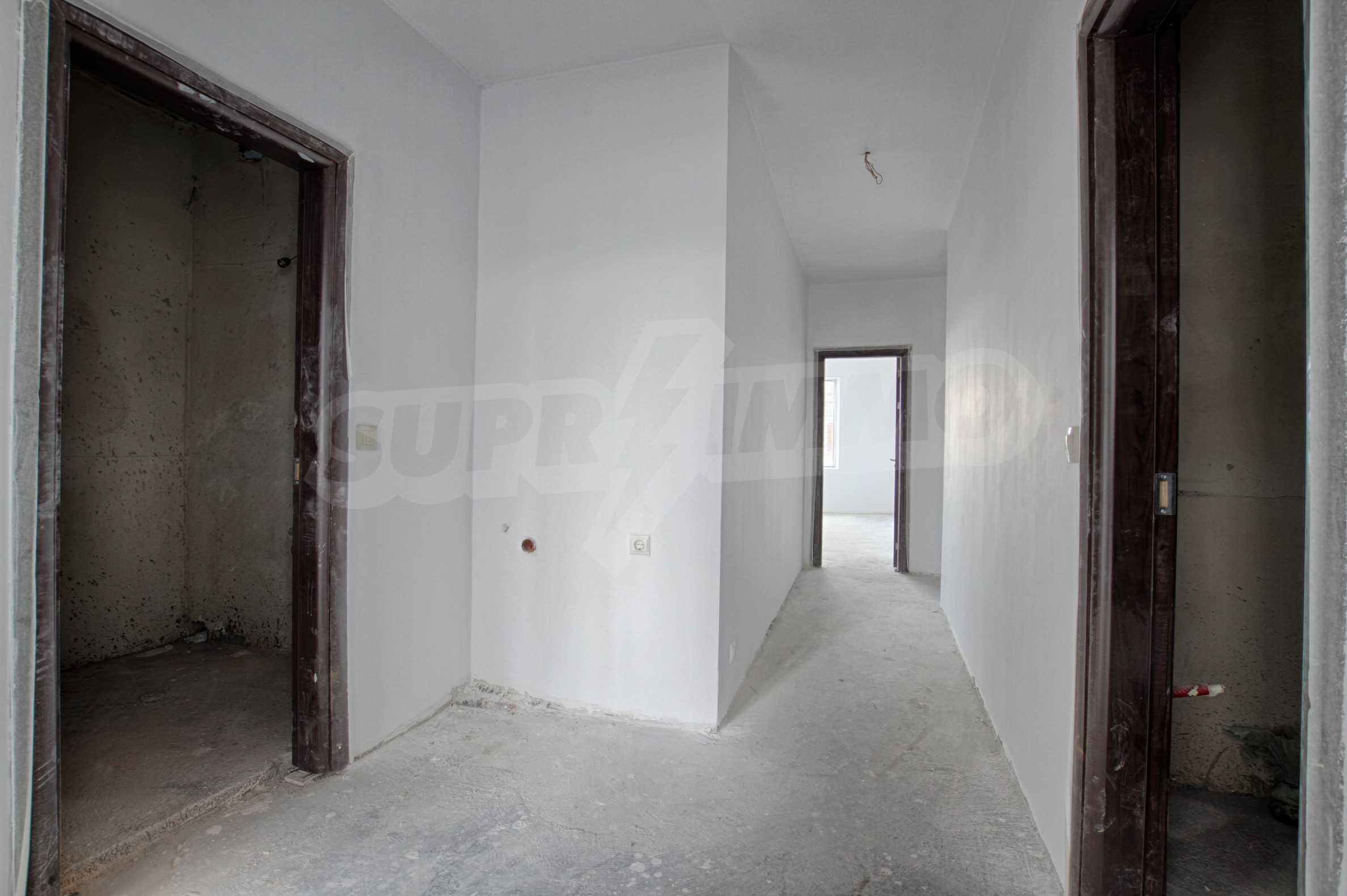 Просторен и слънчев апартамент до бъдеща метростанция на Околовръстен път 5
