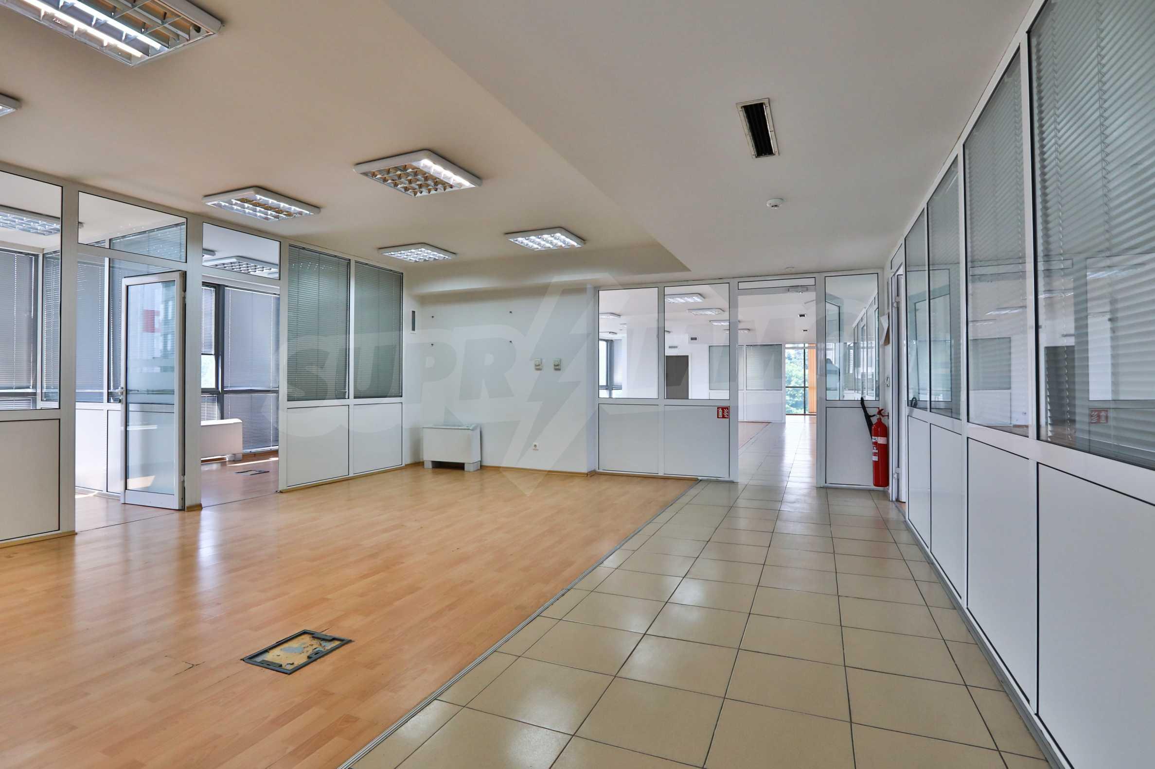 Площи тип open space в офис зоната на бул. Цариградско шосе 19