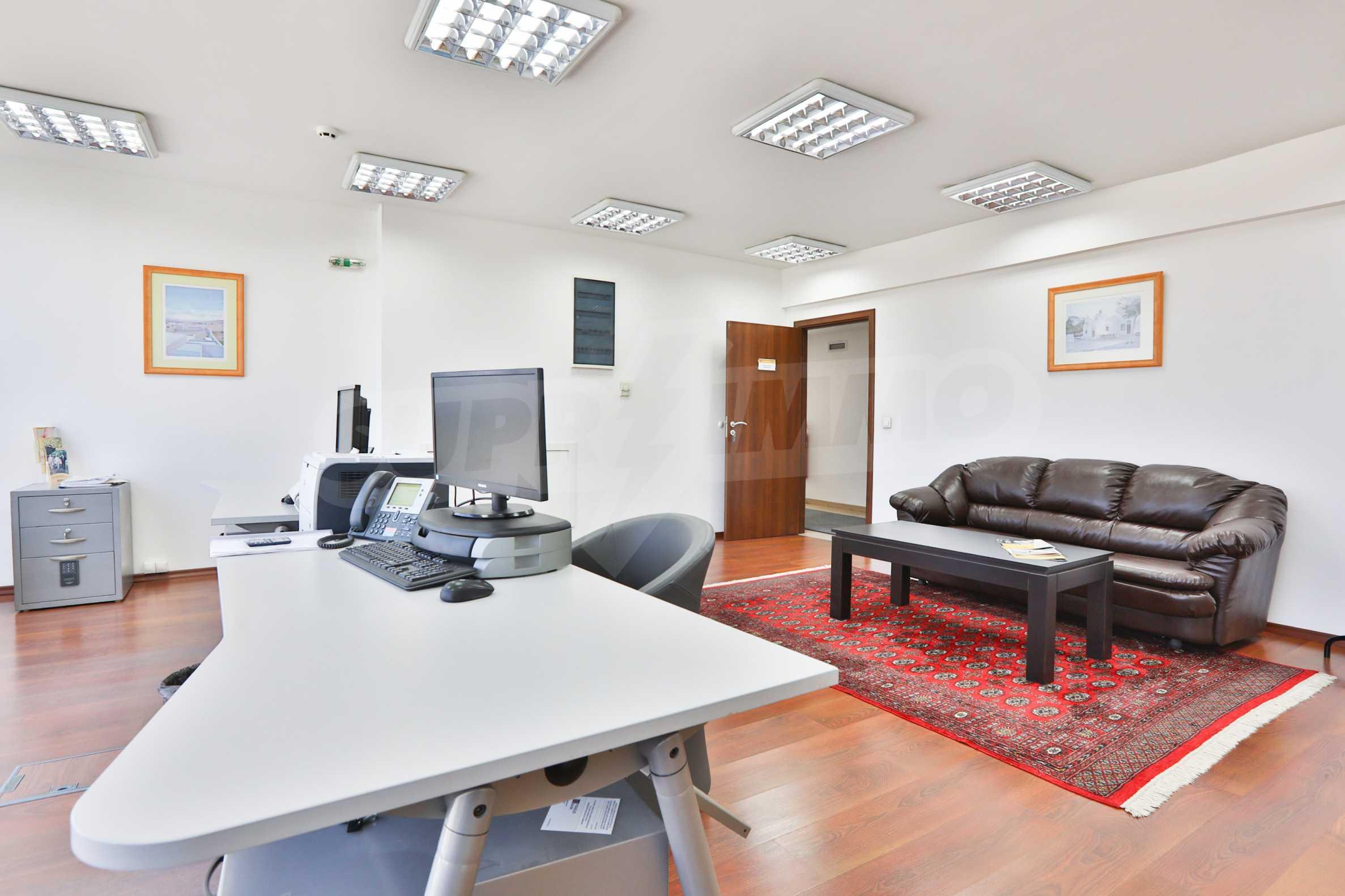 Площи тип open space в офис зоната на бул. Цариградско шосе 30