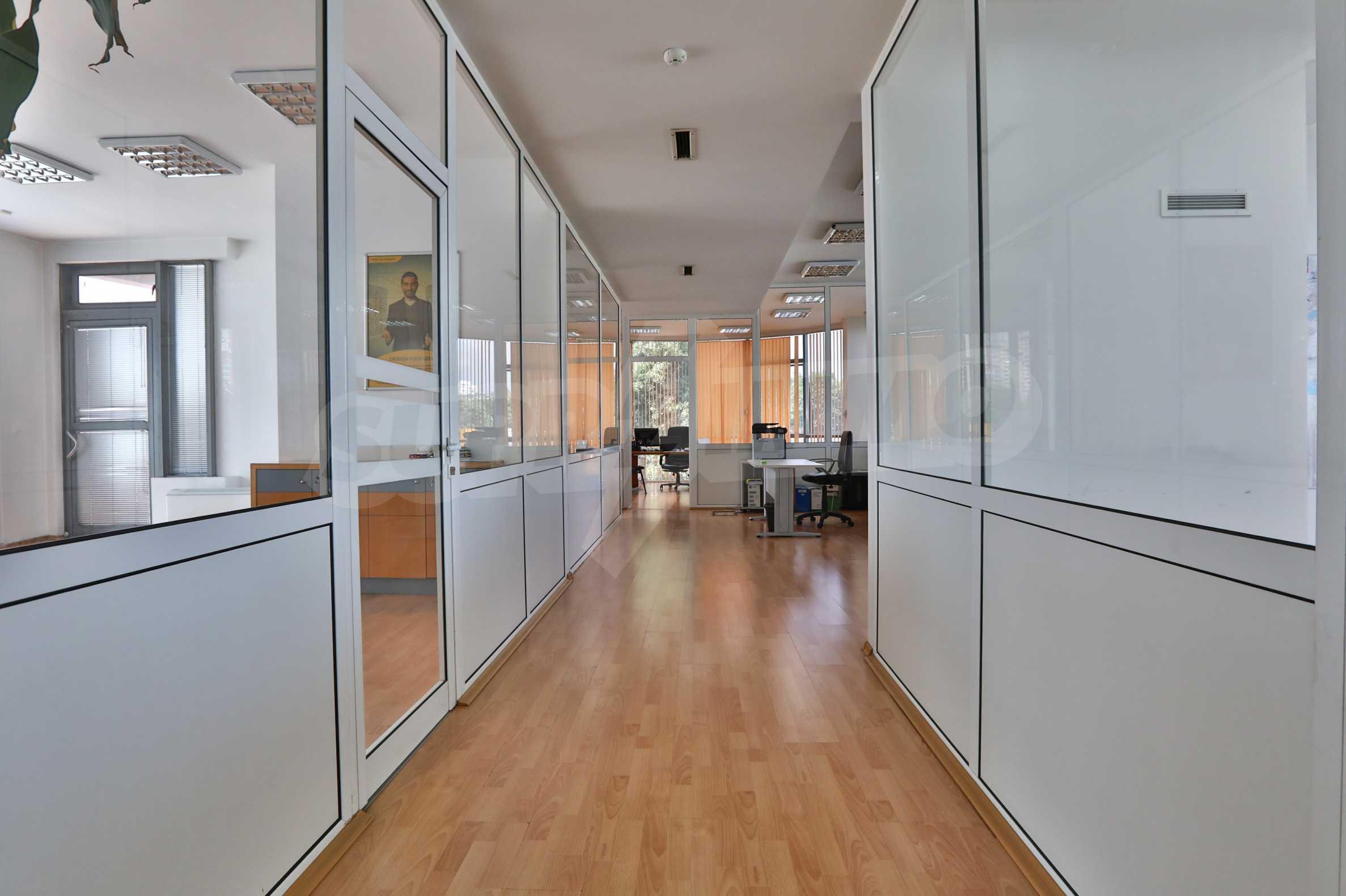 Площи тип open space в офис зоната на бул. Цариградско шосе 35