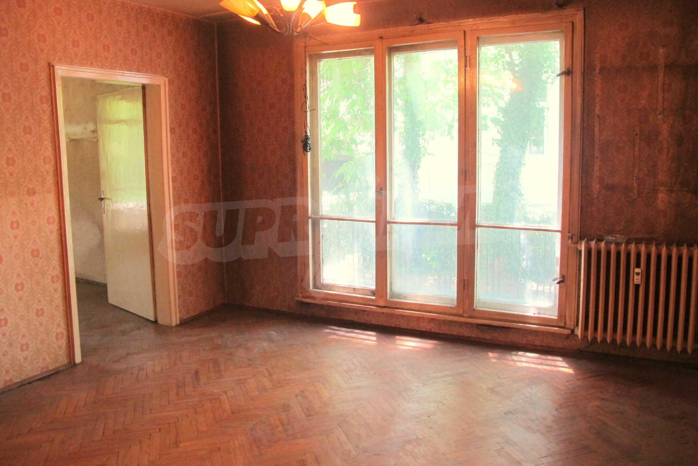 Светъл апартамент в зелената част на кв. Гео Милев