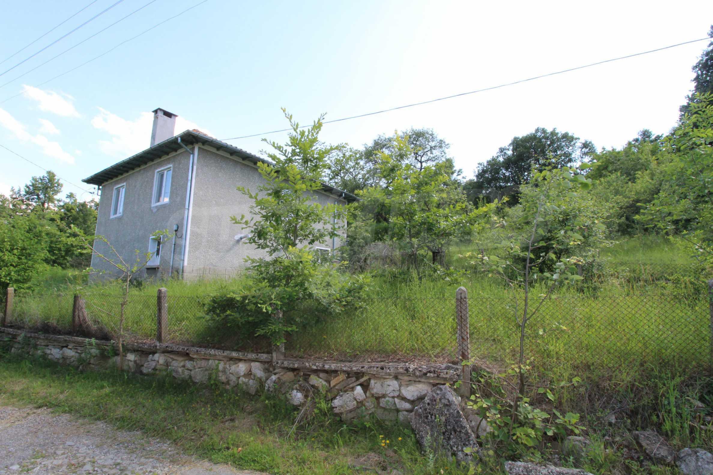 Реновирана двуетажна къща само на 5 км от град Габрово  22