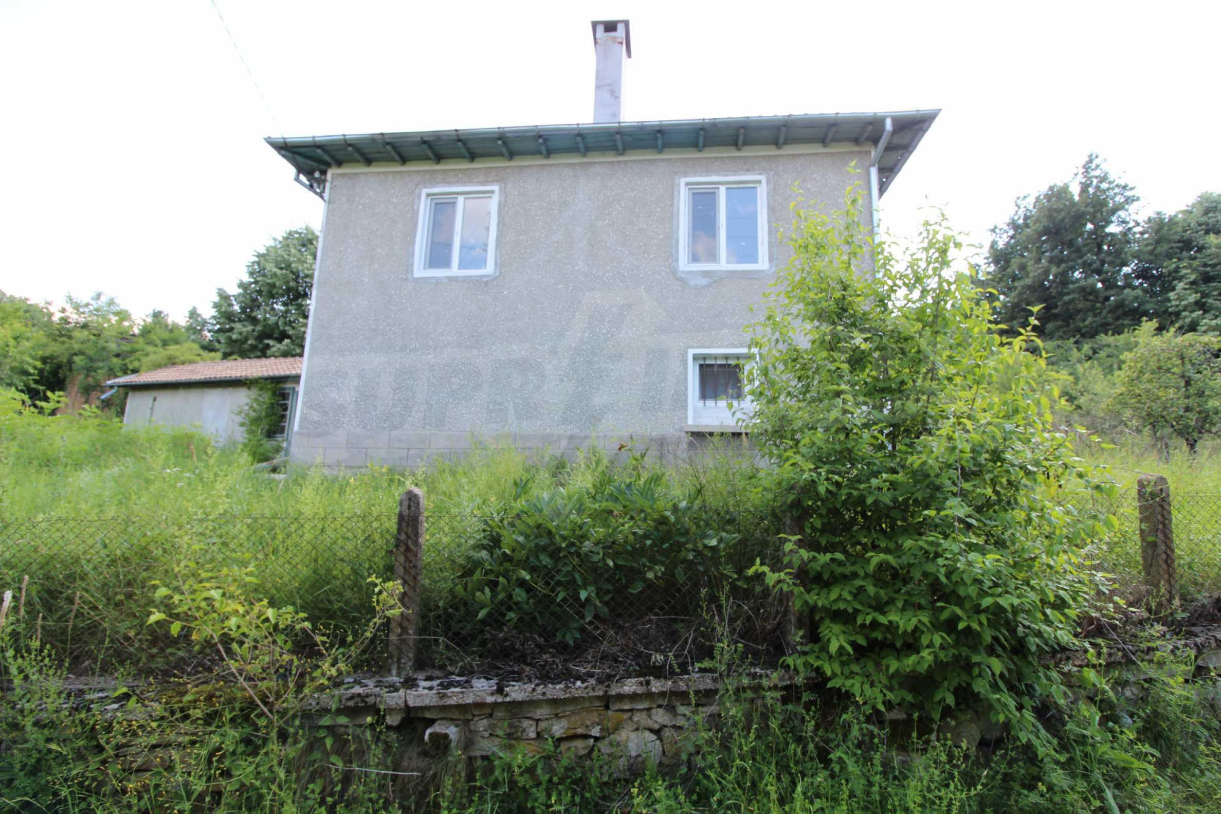 Реновирана двуетажна къща само на 5 км от град Габрово  25