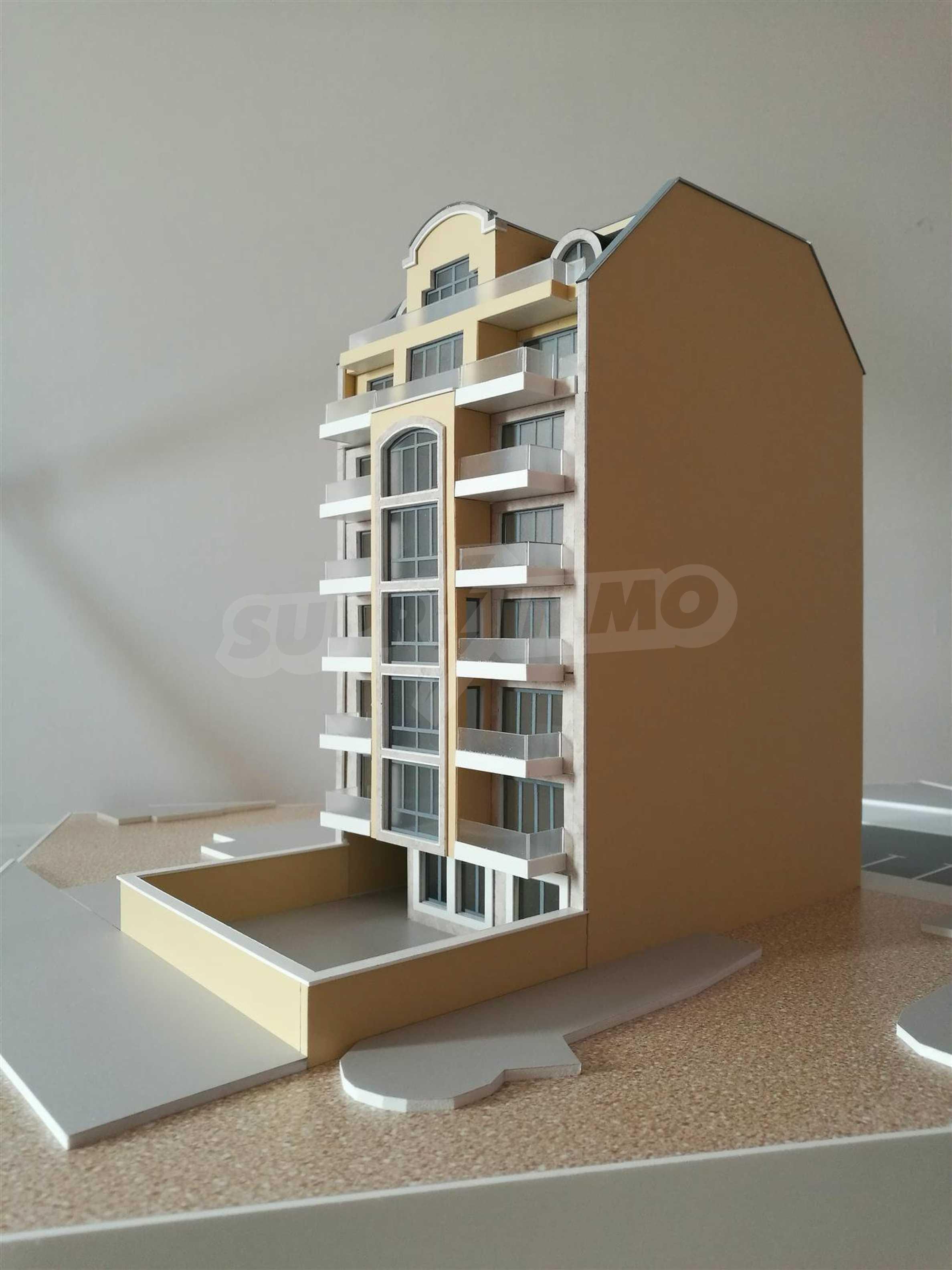 Апартаменти в идеален център на гр. Варна 2