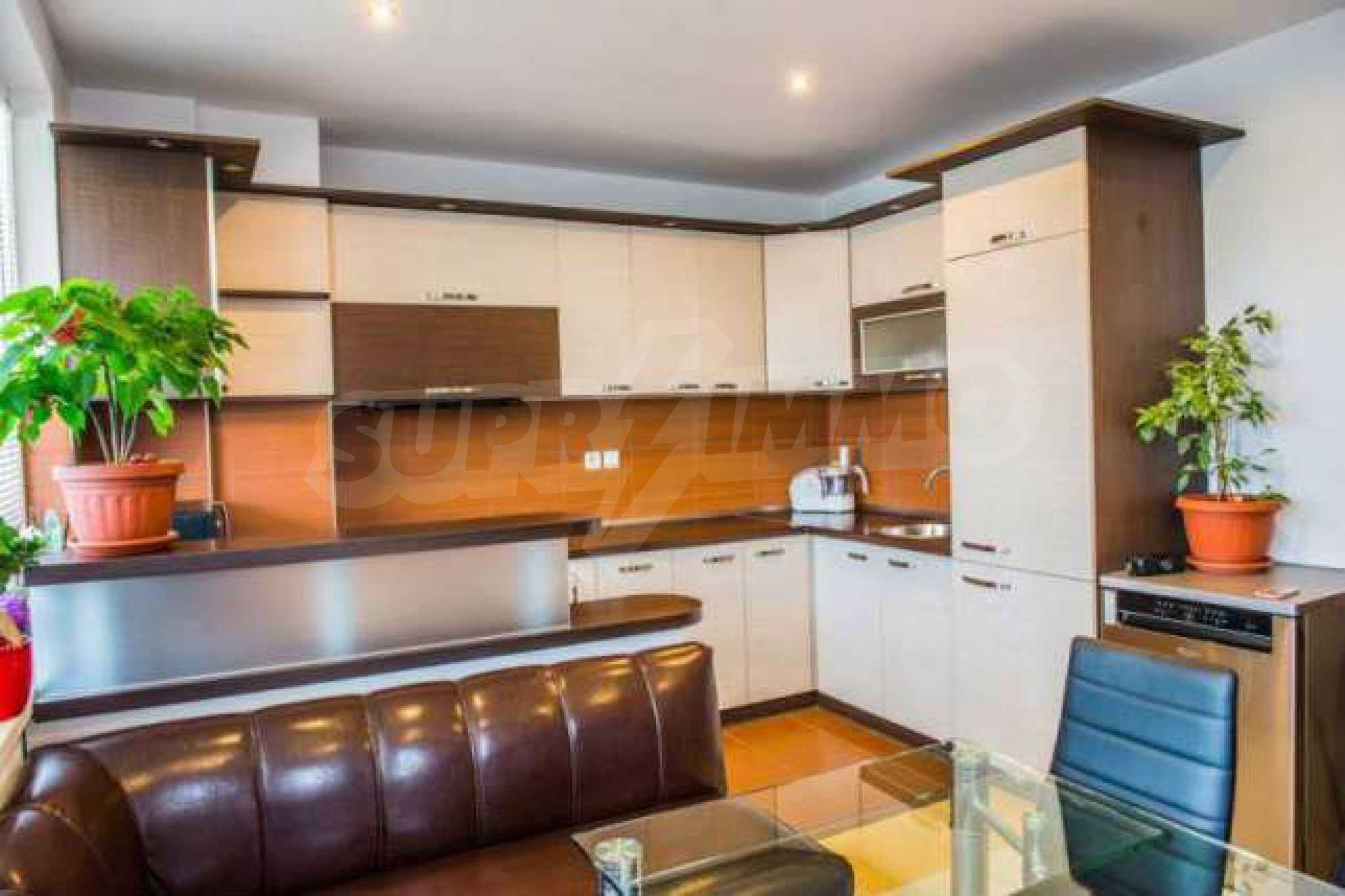 Новопостроен тристаен апартамент в кв. на град В. Търново