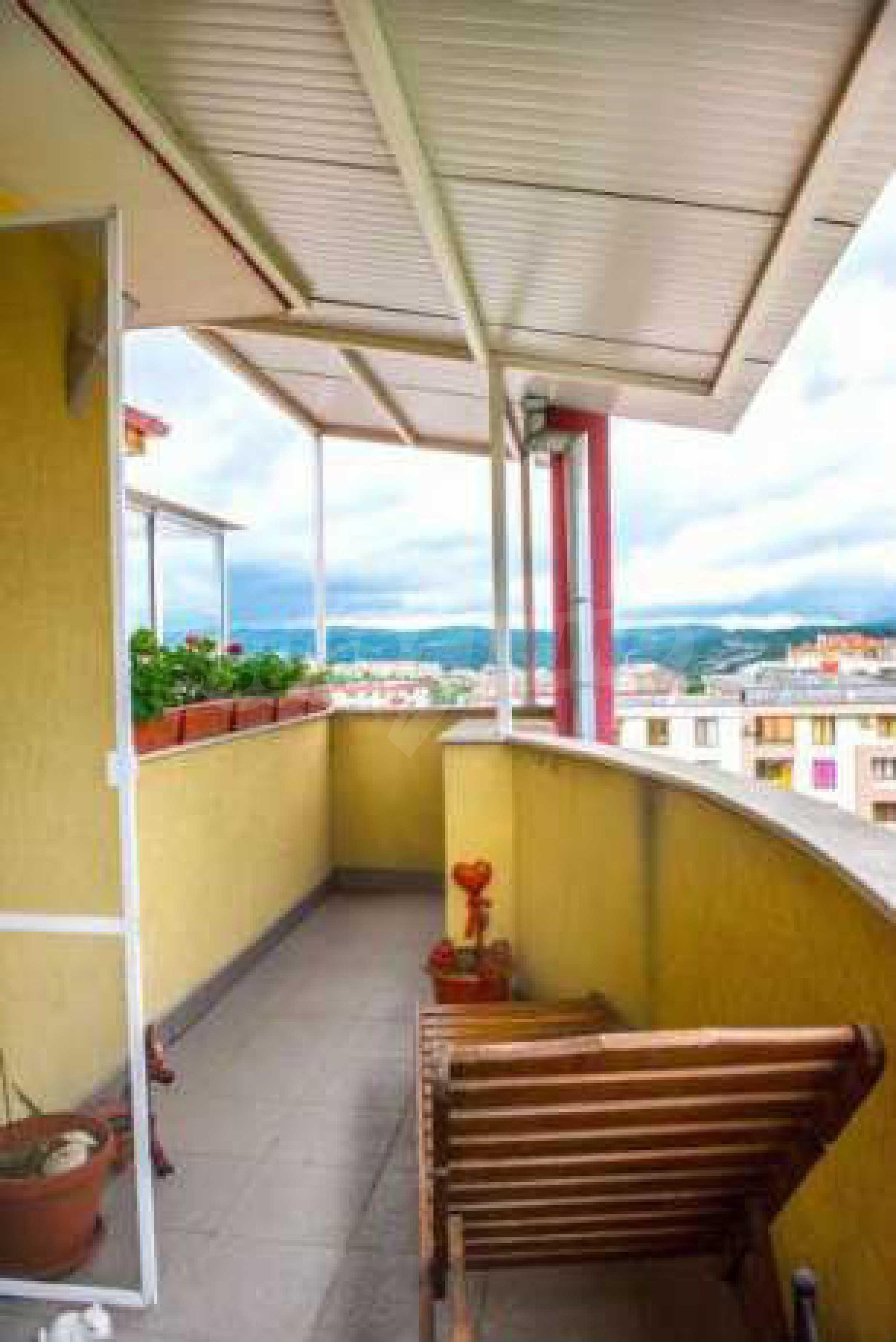 Новопостроен тристаен апартамент в кв. на град В. Търново  10