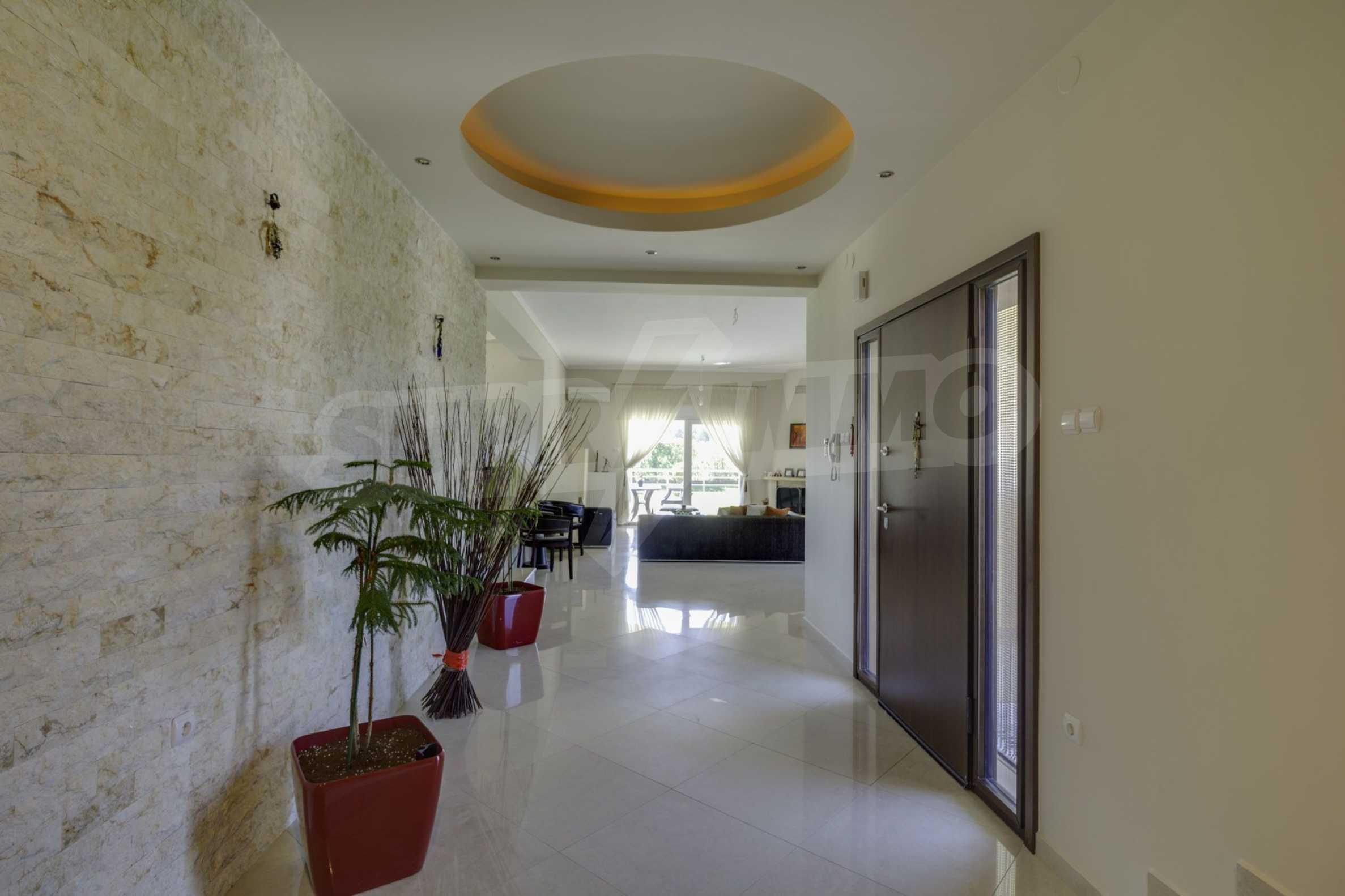 Къща  в  Tagarades 18