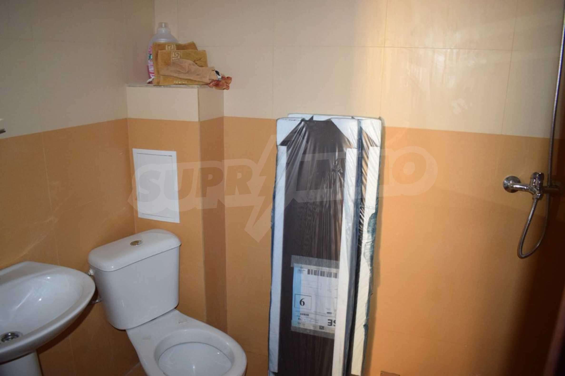 Двустаен, напъно обзаведен апартамент в Банско 9
