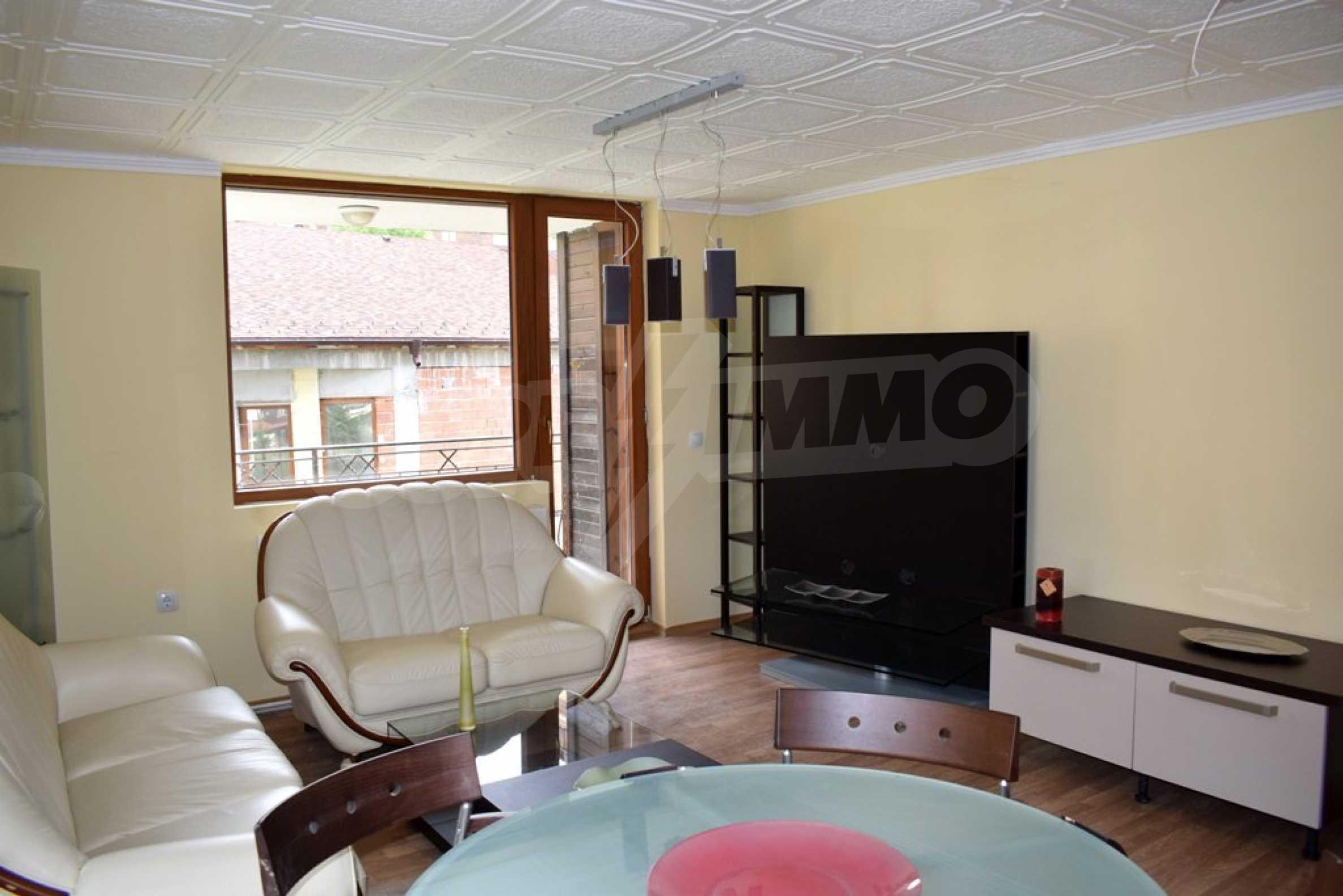 Двустаен, напъно обзаведен апартамент в Банско 3