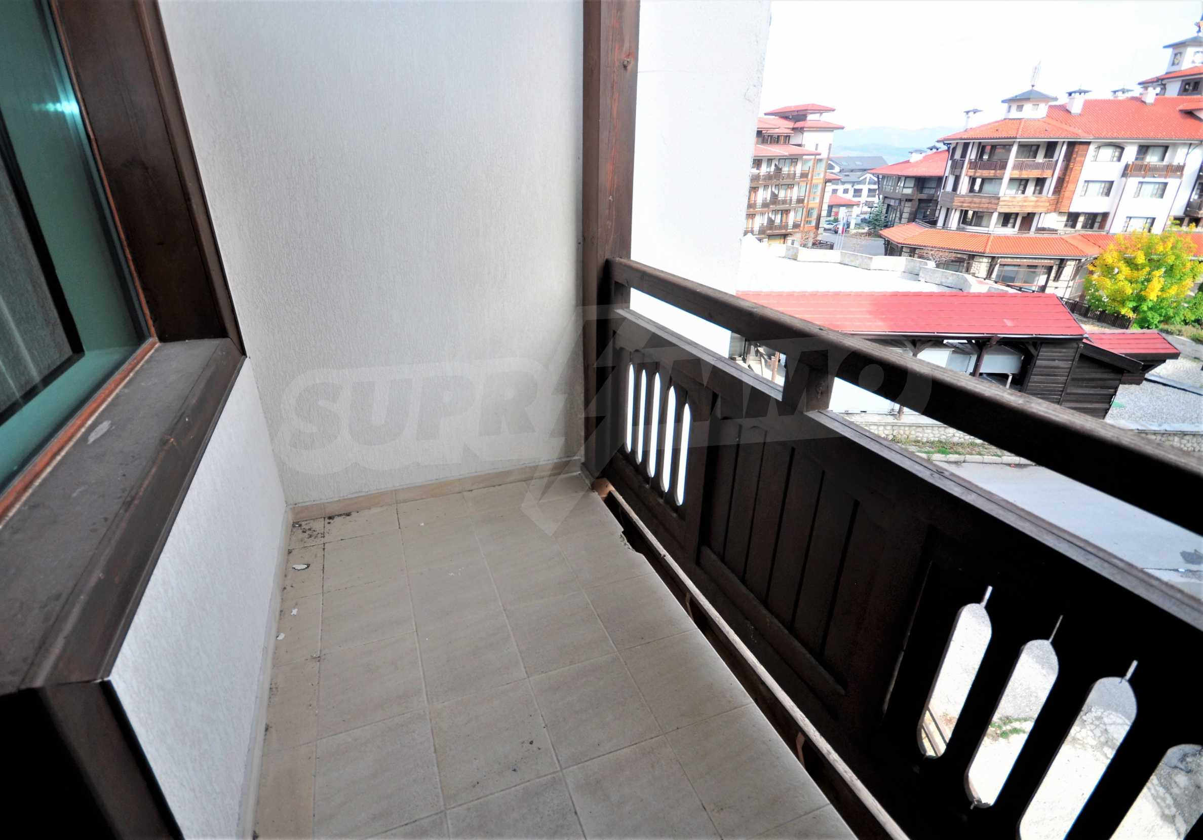 """Spacious two-bedroom apartment located in the """"Emerald"""" complex in Bansko 10"""