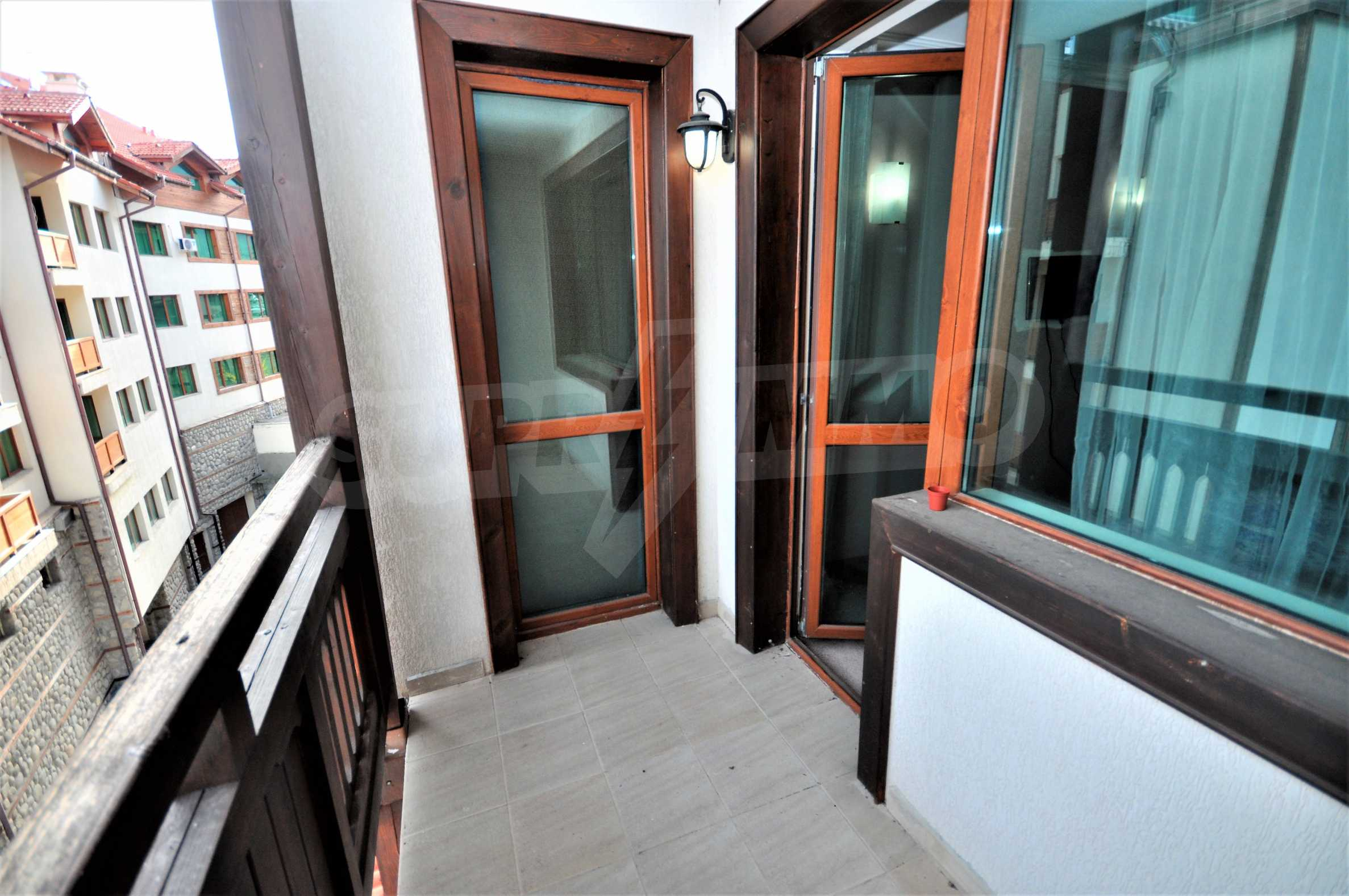 """Spacious two-bedroom apartment located in the """"Emerald"""" complex in Bansko 11"""