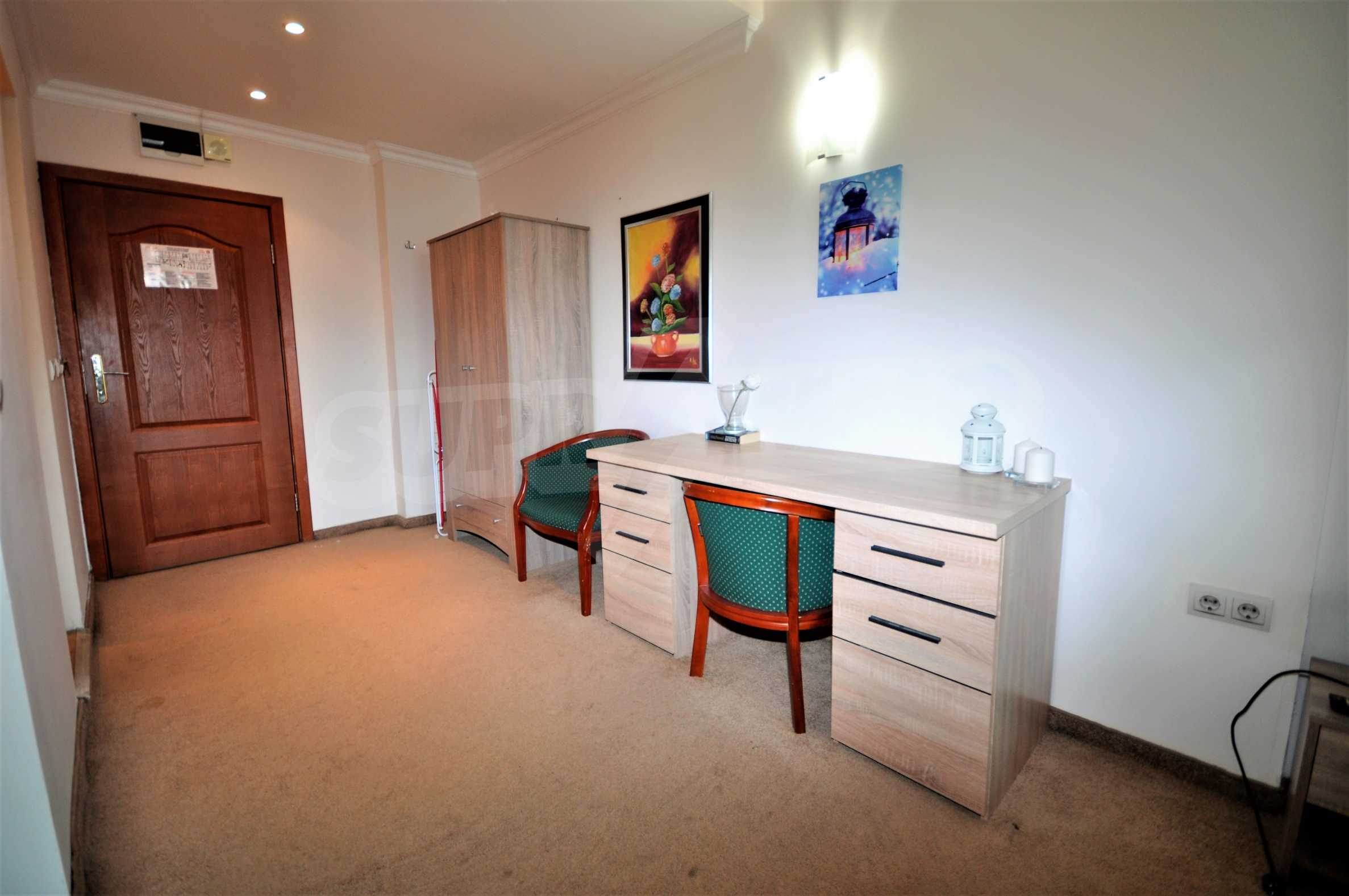 """Spacious two-bedroom apartment located in the """"Emerald"""" complex in Bansko 4"""
