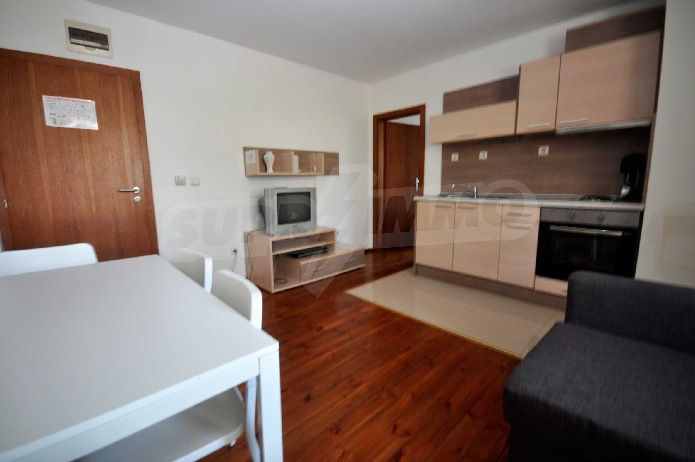 One bedroom apartment meters from the lift in the town of Bansko 3