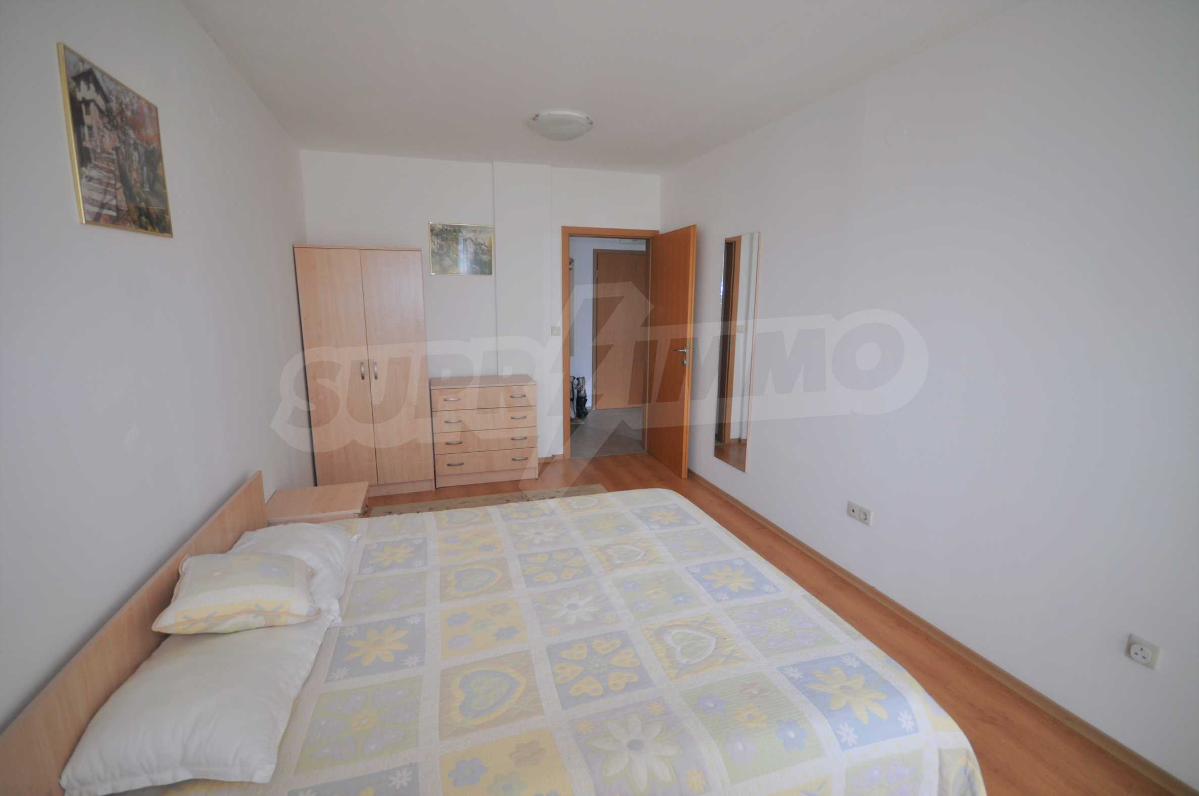Furnished apartment in a year-round complex 10