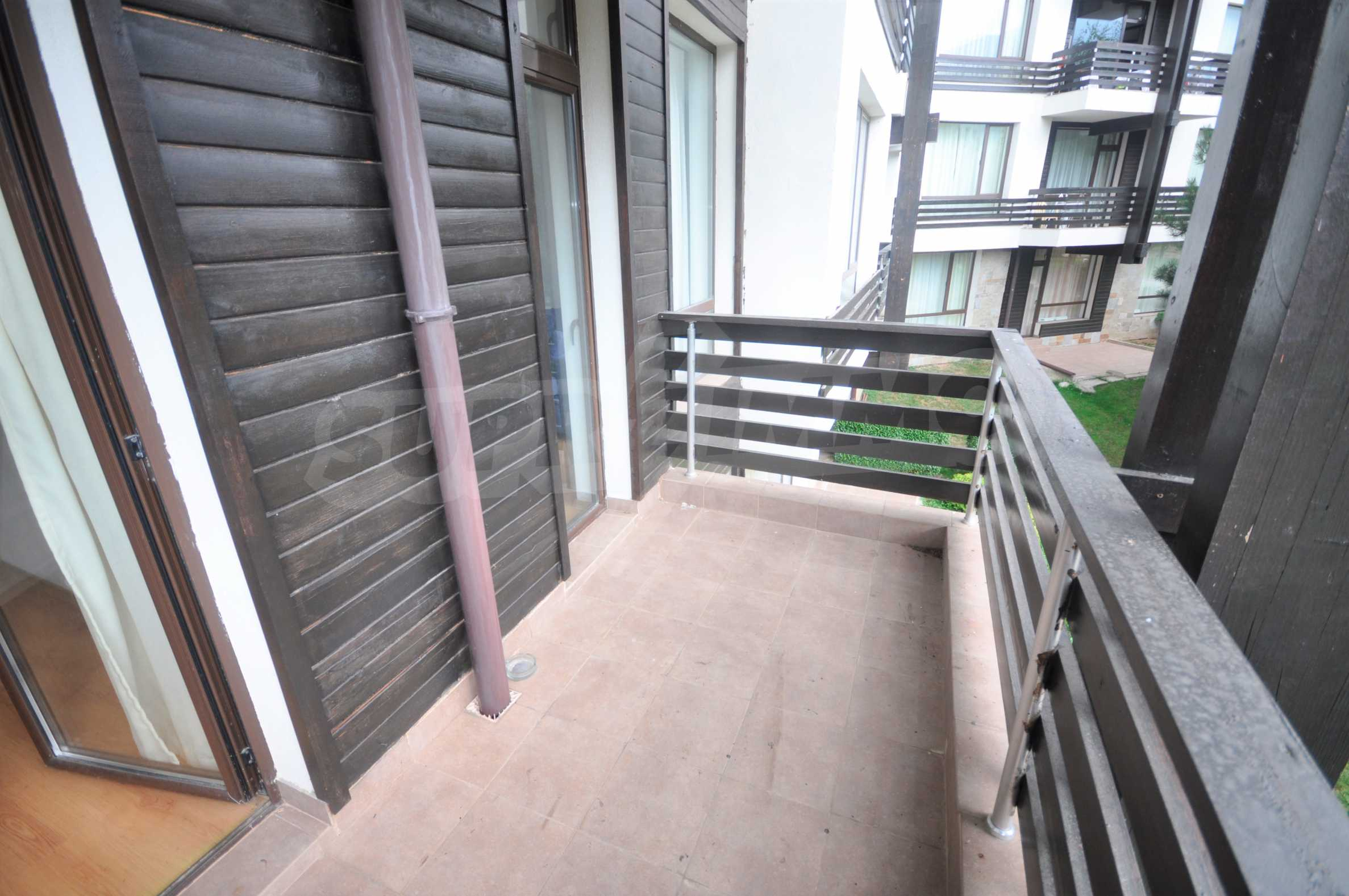 Furnished apartment in a year-round complex 11