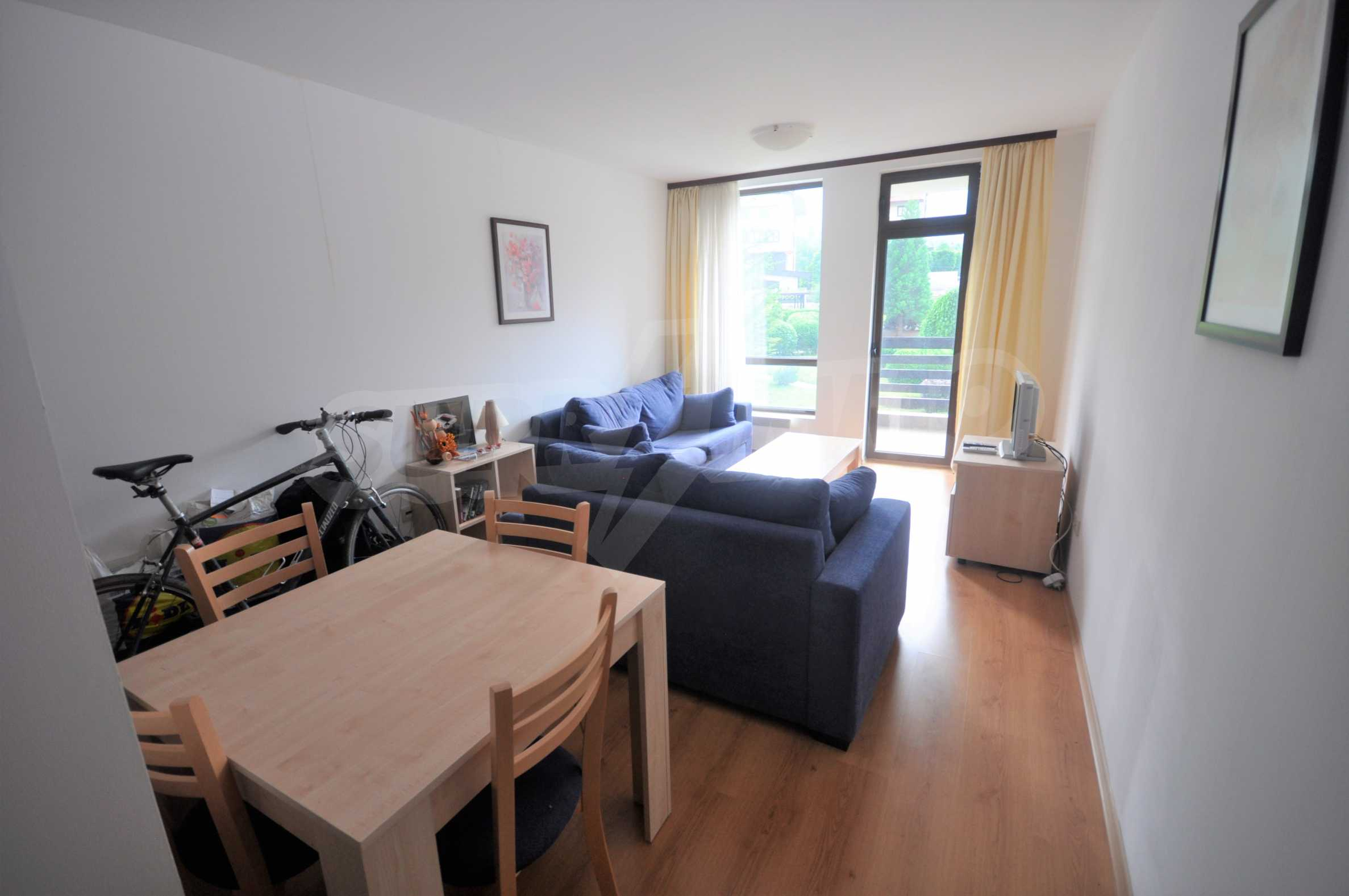 Furnished apartment in a year-round complex 1