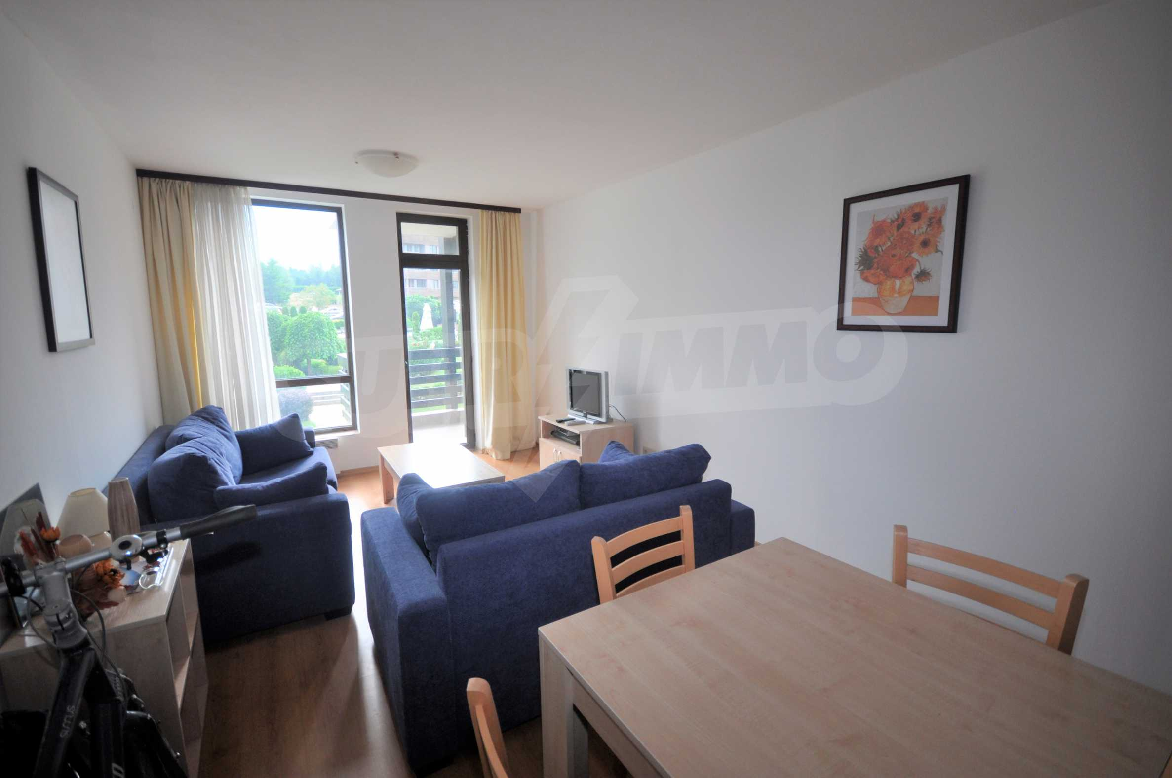 Furnished apartment in a year-round complex 2