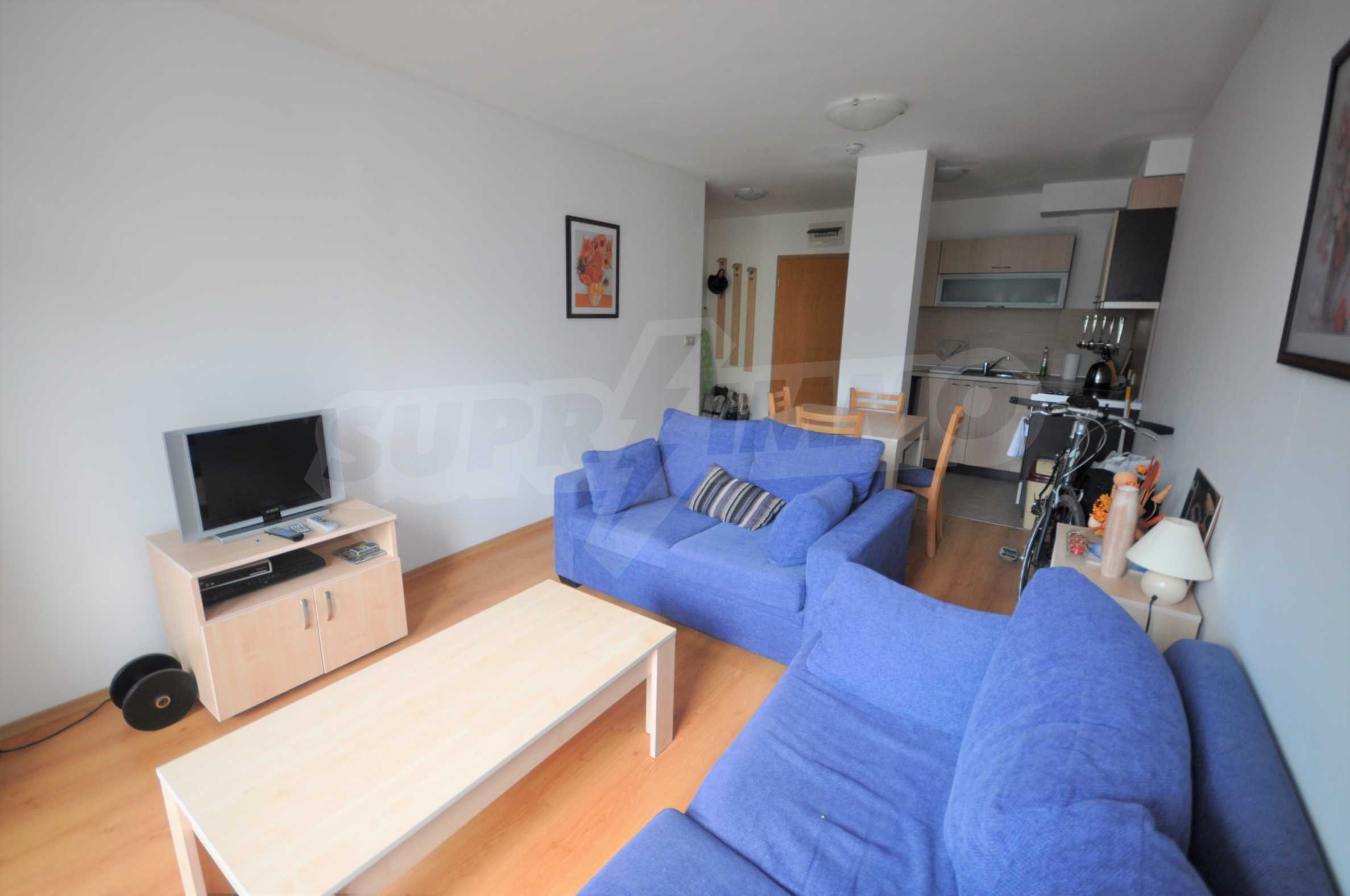 Furnished apartment in a year-round complex 3