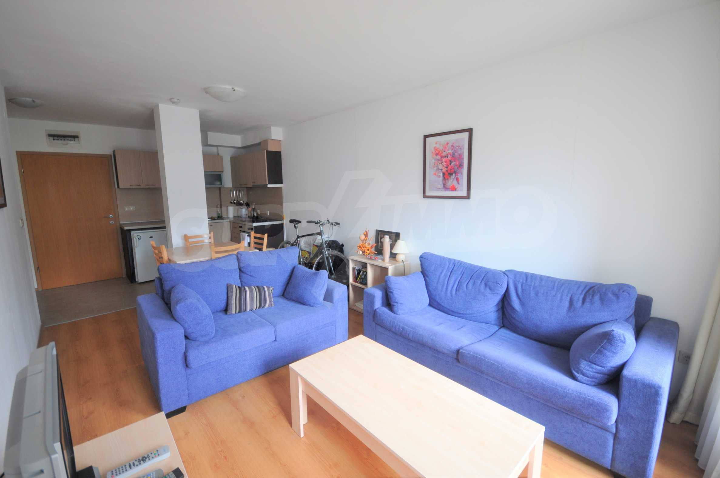 Furnished apartment in a year-round complex 4
