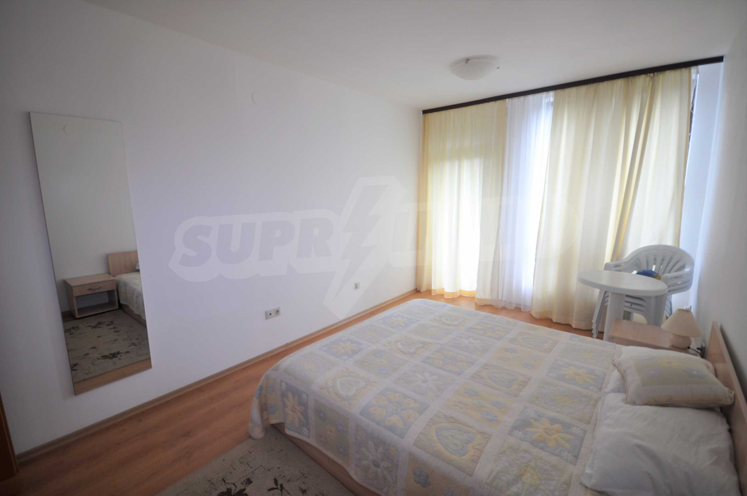Furnished apartment in a year-round complex 7