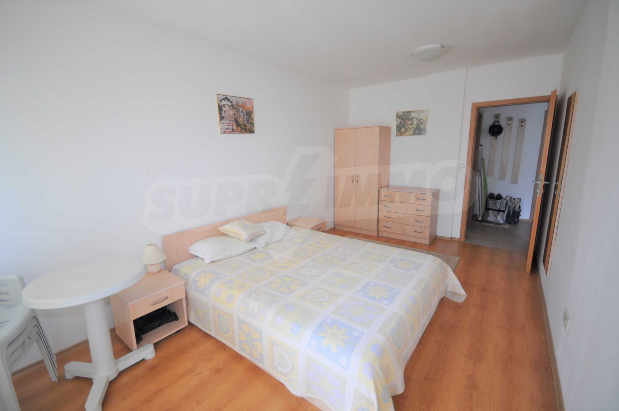 Furnished apartment in a year-round complex 8