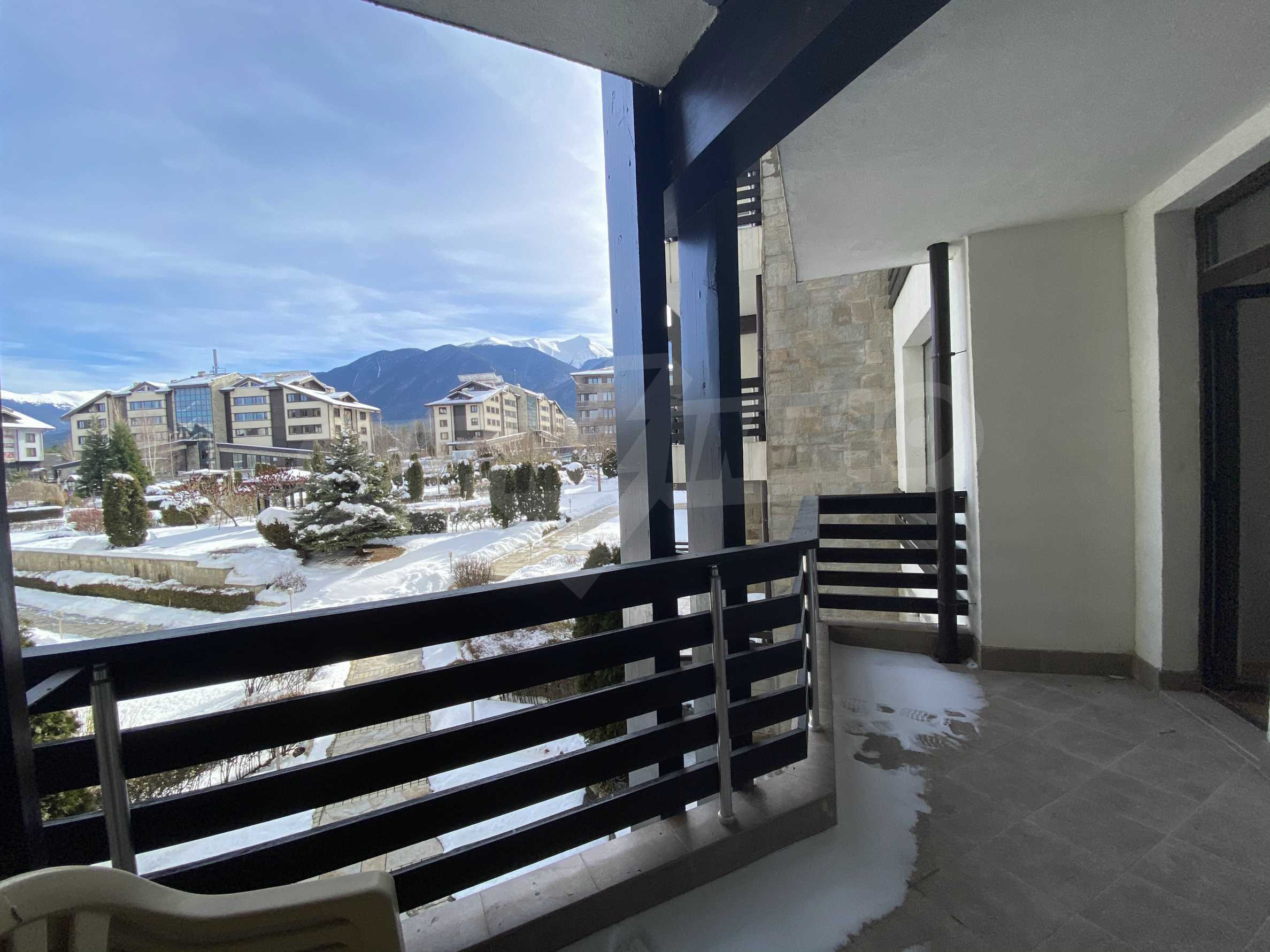 Furnished apartment in the year-round Aspen Golf complex 7