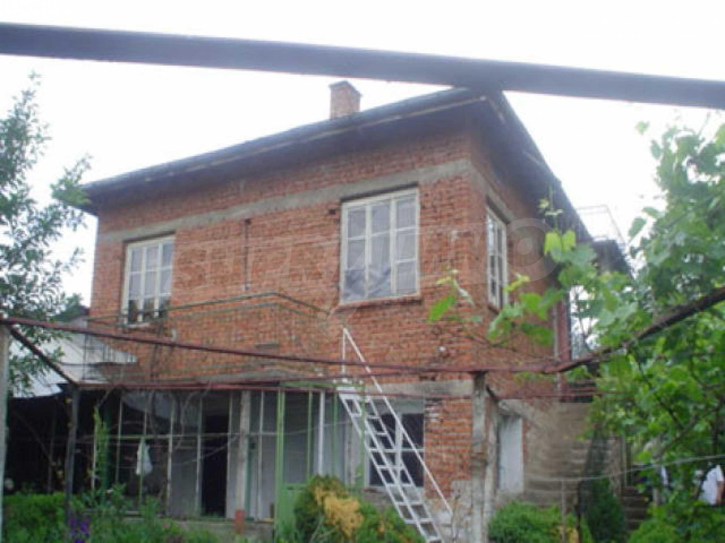 Дом на продажу недалеко от города Кюстендил 1
