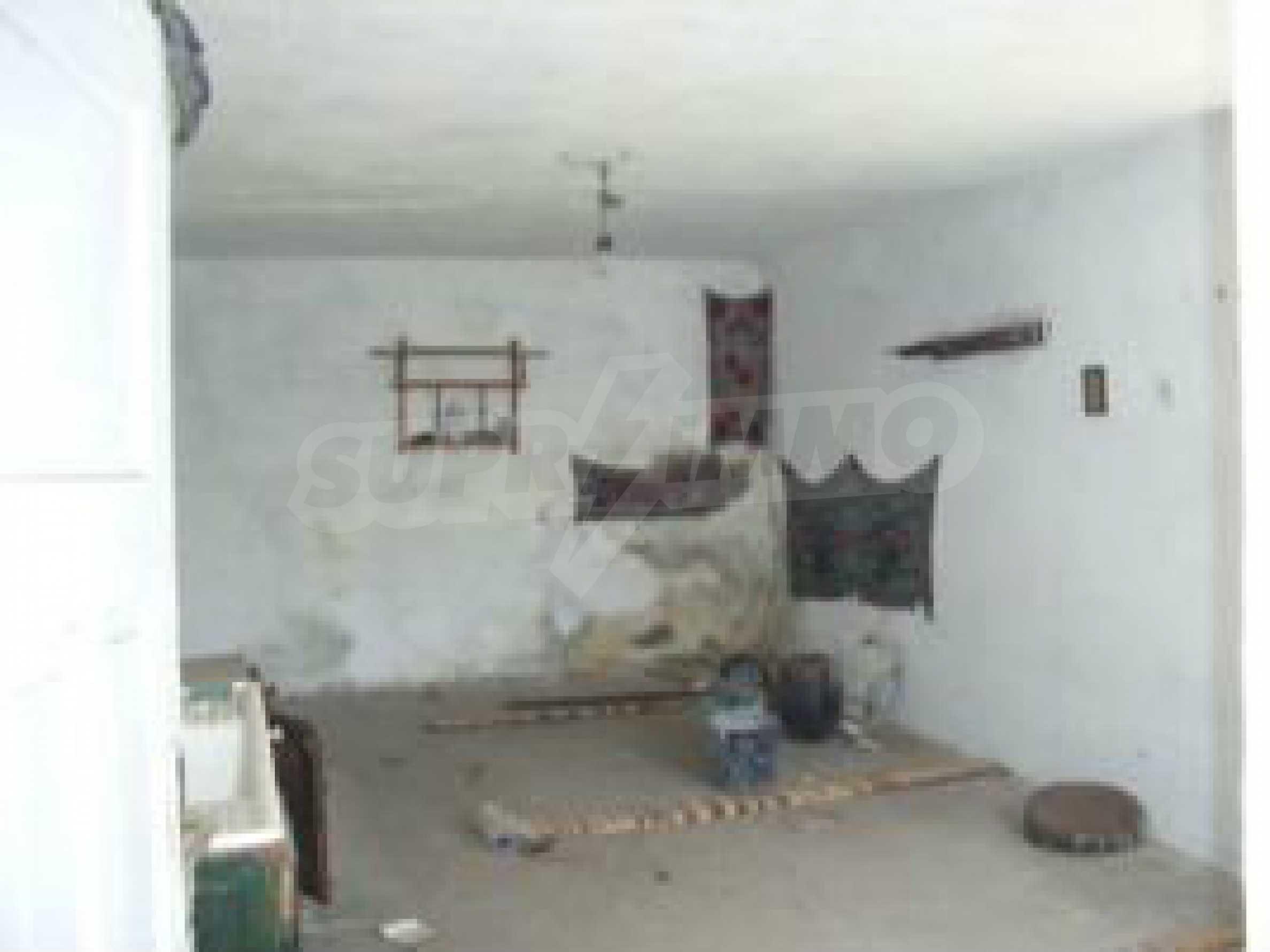 Дом на продажу недалеко от города Кюстендил 31