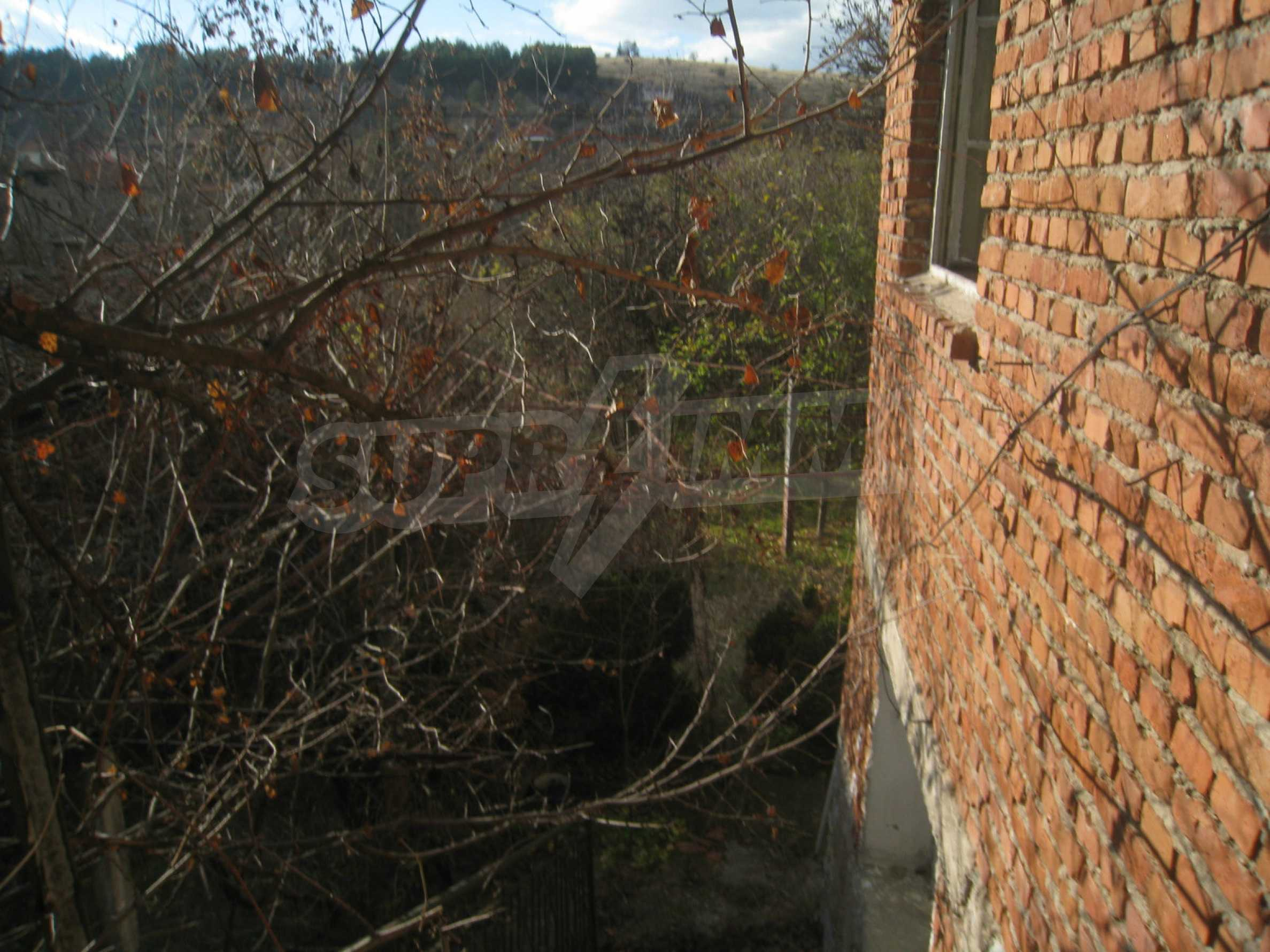 Дом на продажу недалеко от города Кюстендил 32