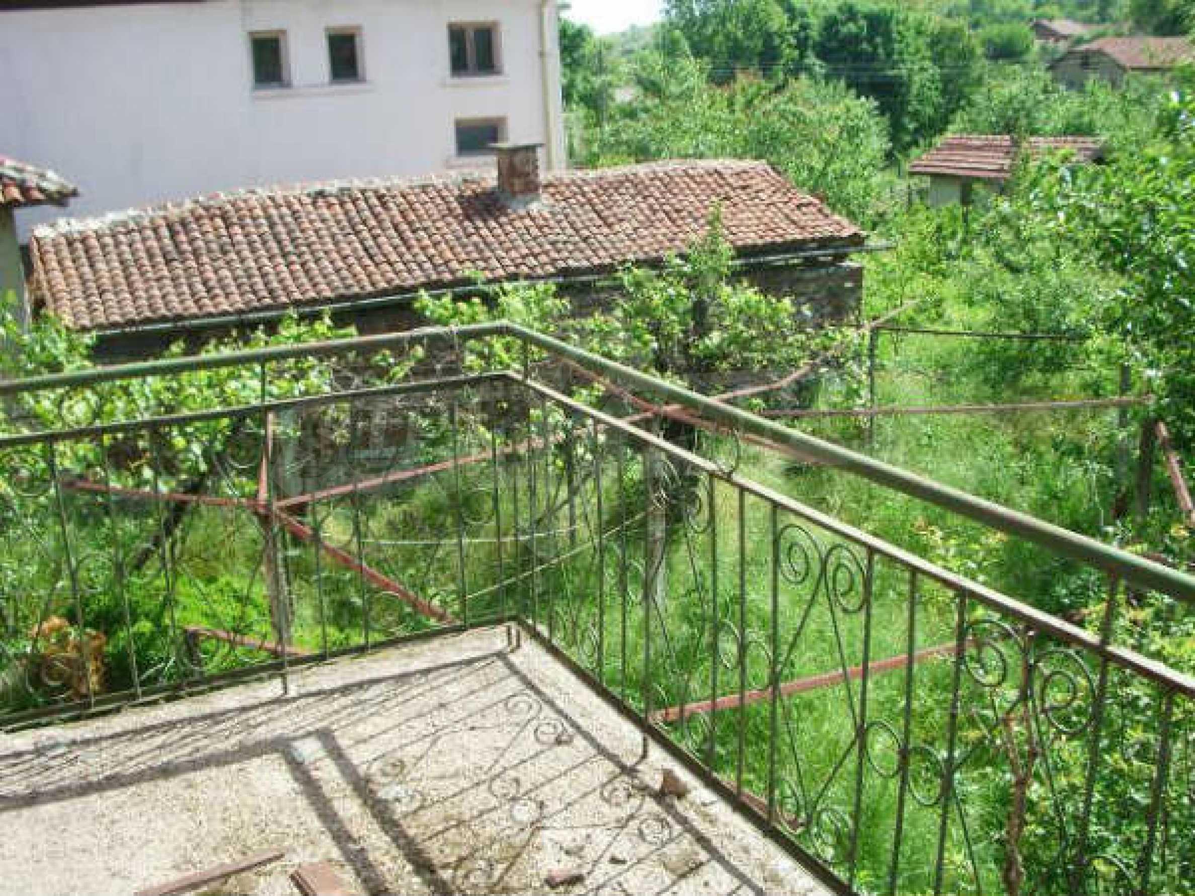 Дом на продажу недалеко от города Кюстендил 40