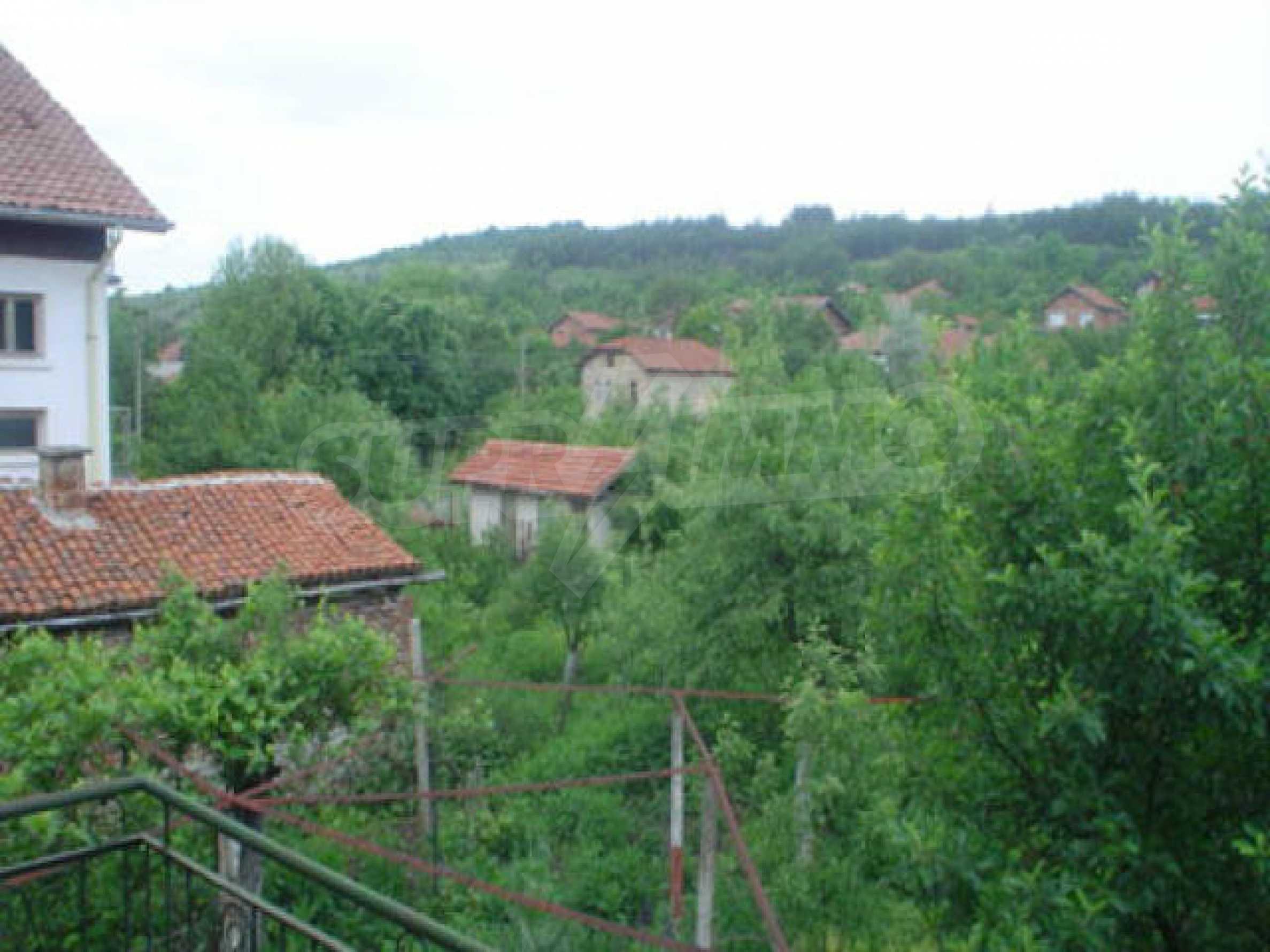 Дом на продажу недалеко от города Кюстендил 41