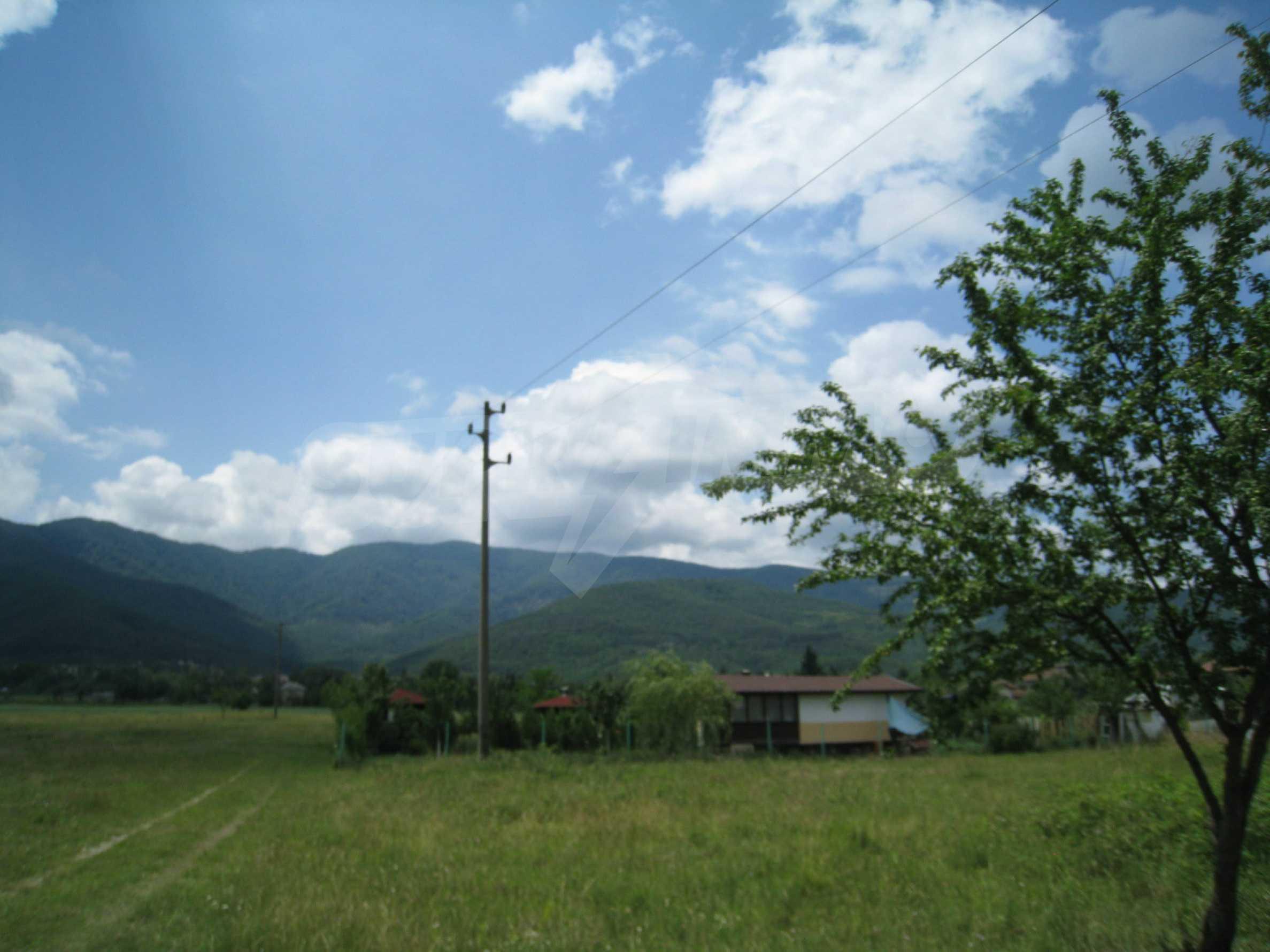 Reguliertes Grundstück mit Blick auf die Berge in der Nähe von Pravets 9
