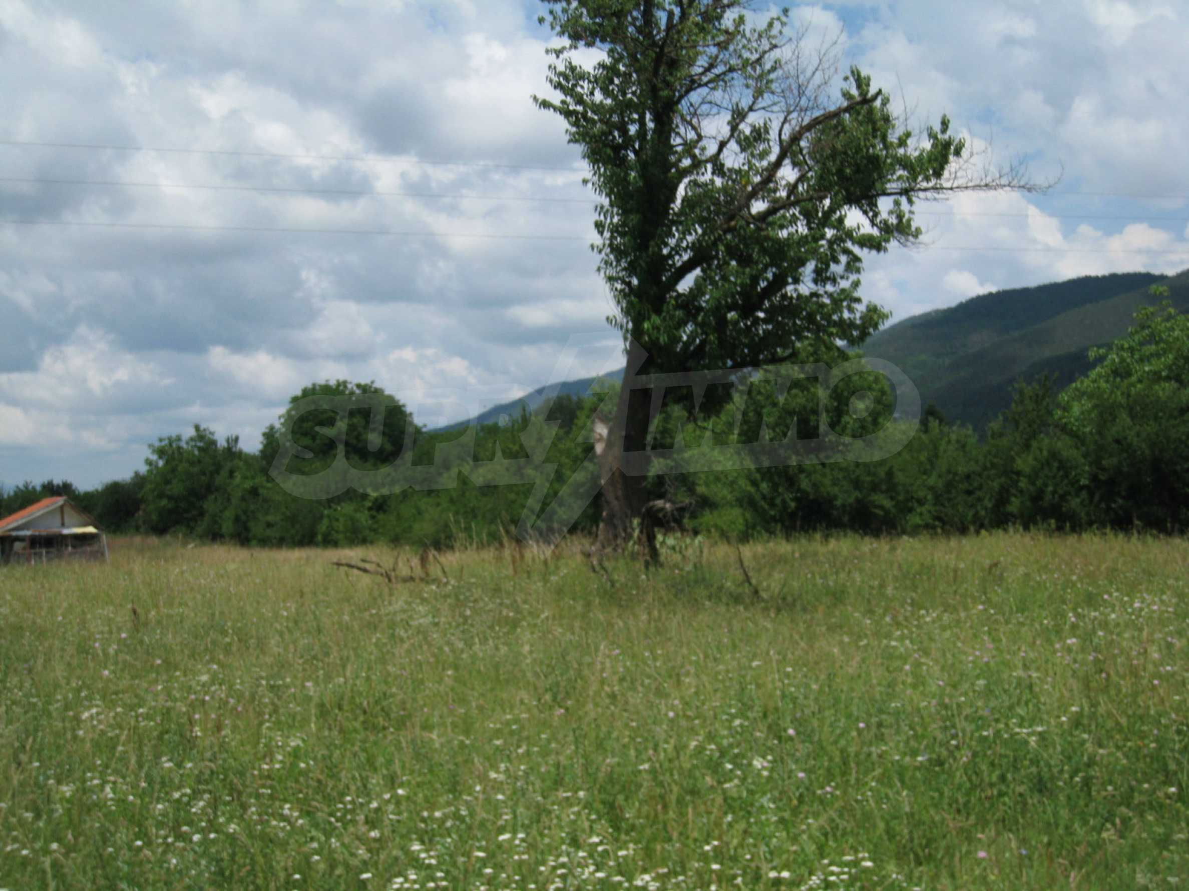 Reguliertes Grundstück mit Blick auf die Berge in der Nähe von Pravets 15