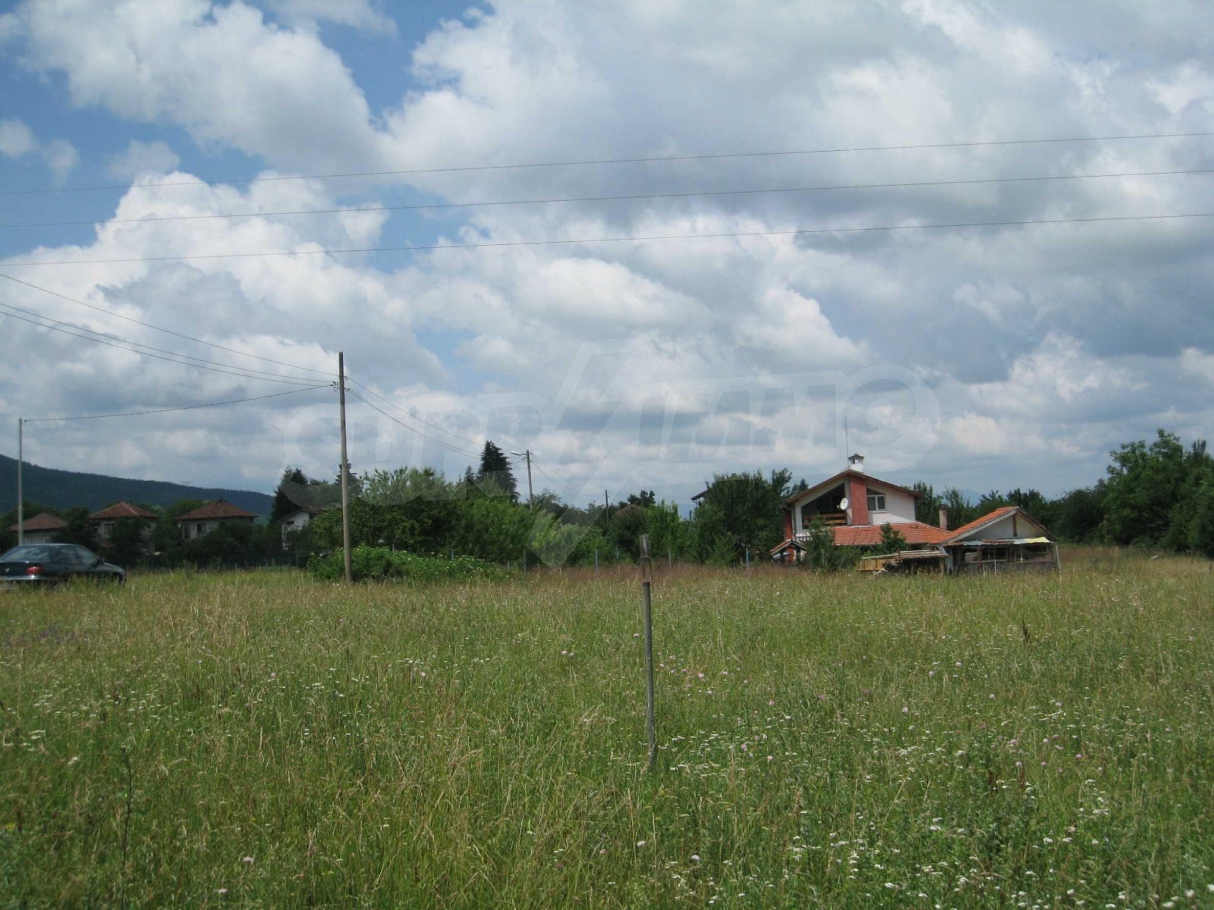 Reguliertes Grundstück mit Blick auf die Berge in der Nähe von Pravets 16