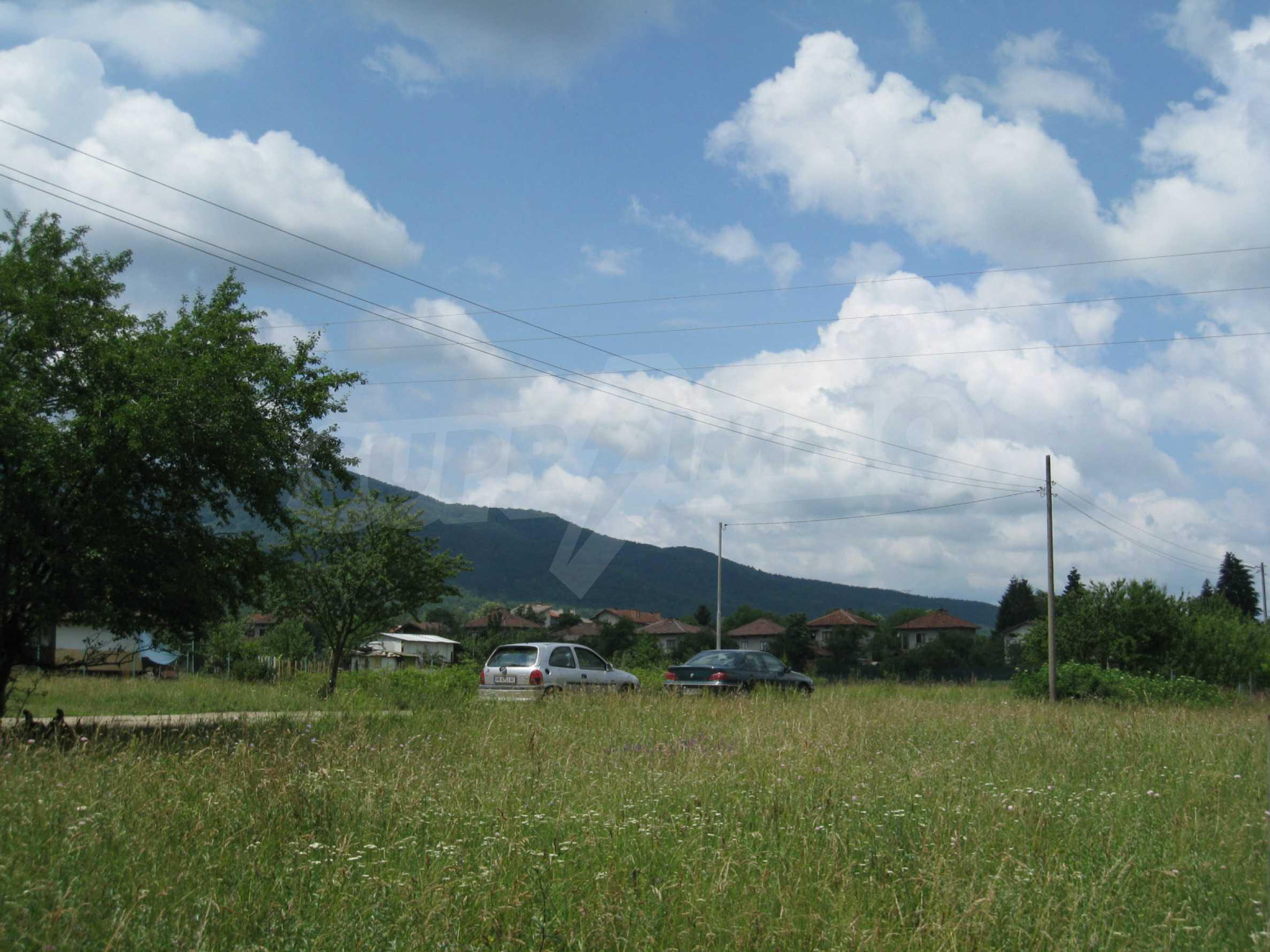 Reguliertes Grundstück mit Blick auf die Berge in der Nähe von Pravets 17