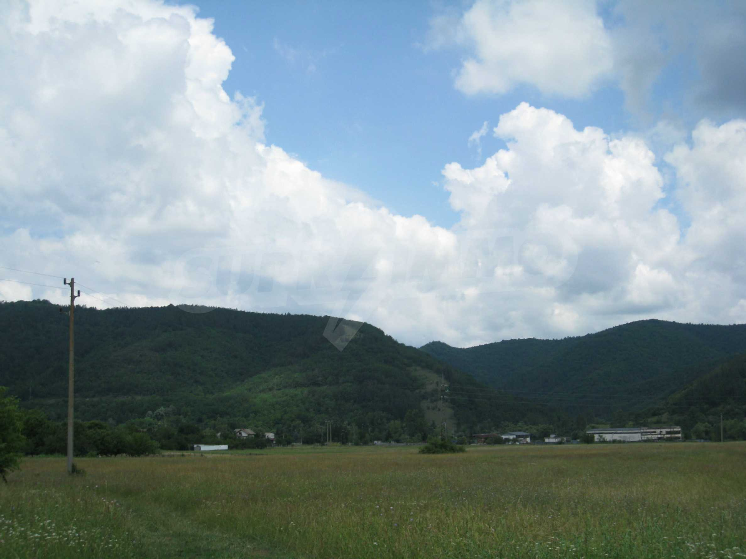 Reguliertes Grundstück mit Blick auf die Berge in der Nähe von Pravets 20