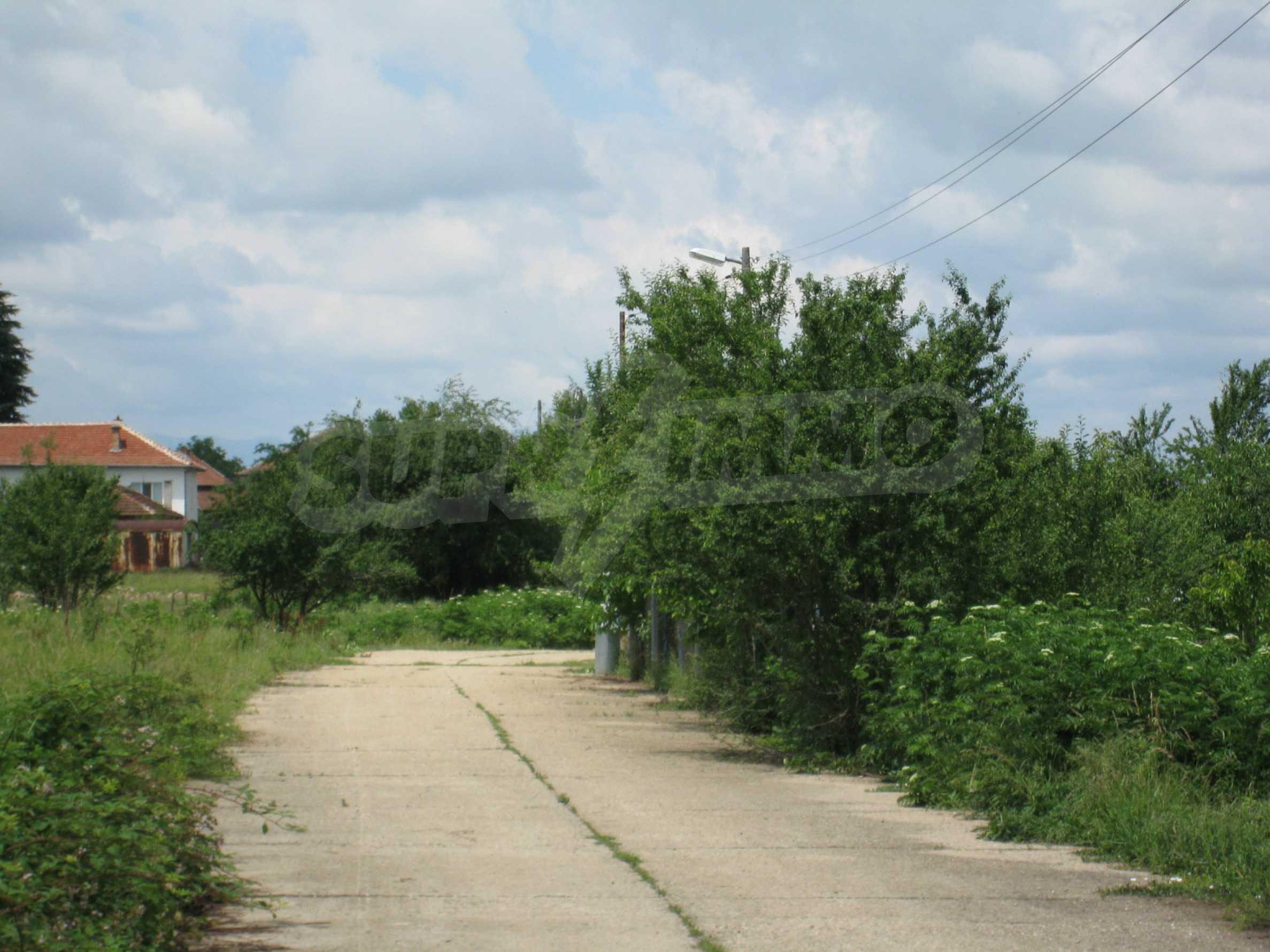 Reguliertes Grundstück mit Blick auf die Berge in der Nähe von Pravets 22