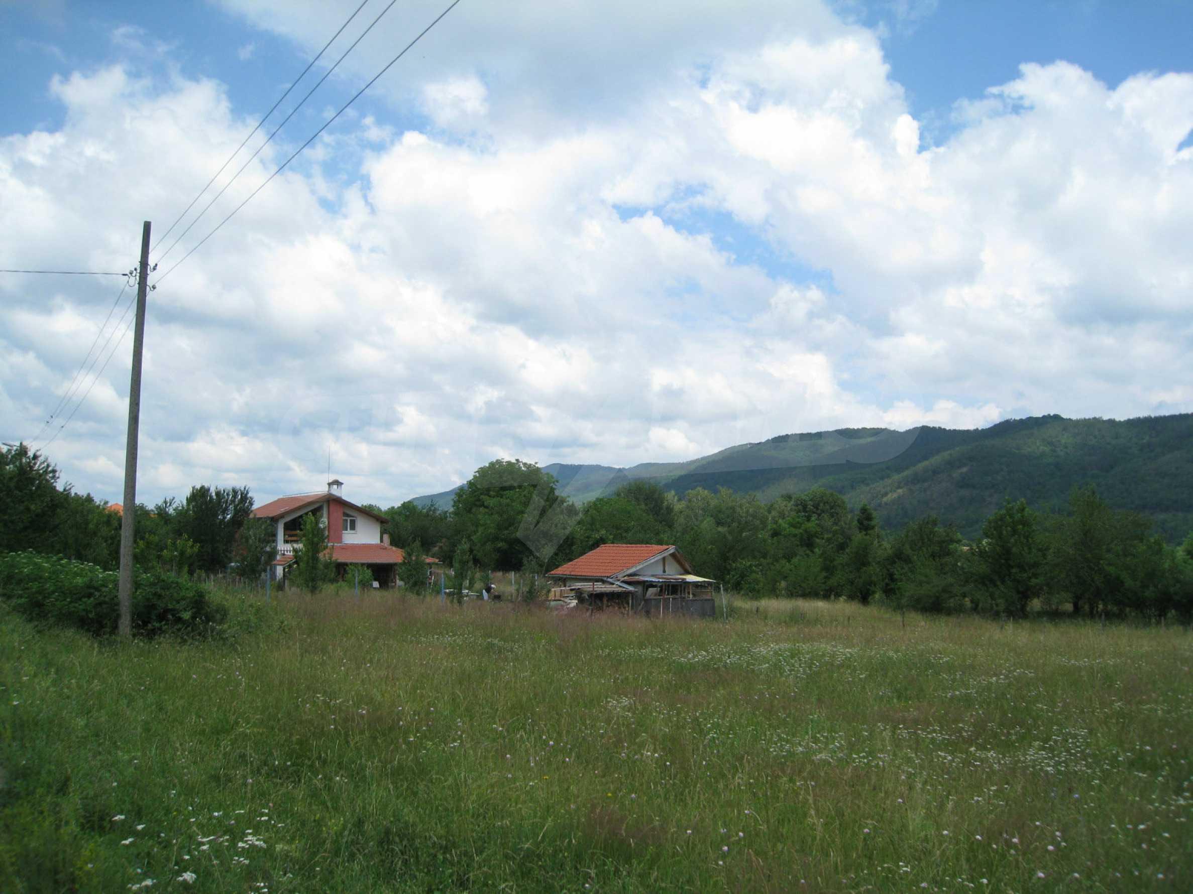 Reguliertes Grundstück mit Blick auf die Berge in der Nähe von Pravets 4
