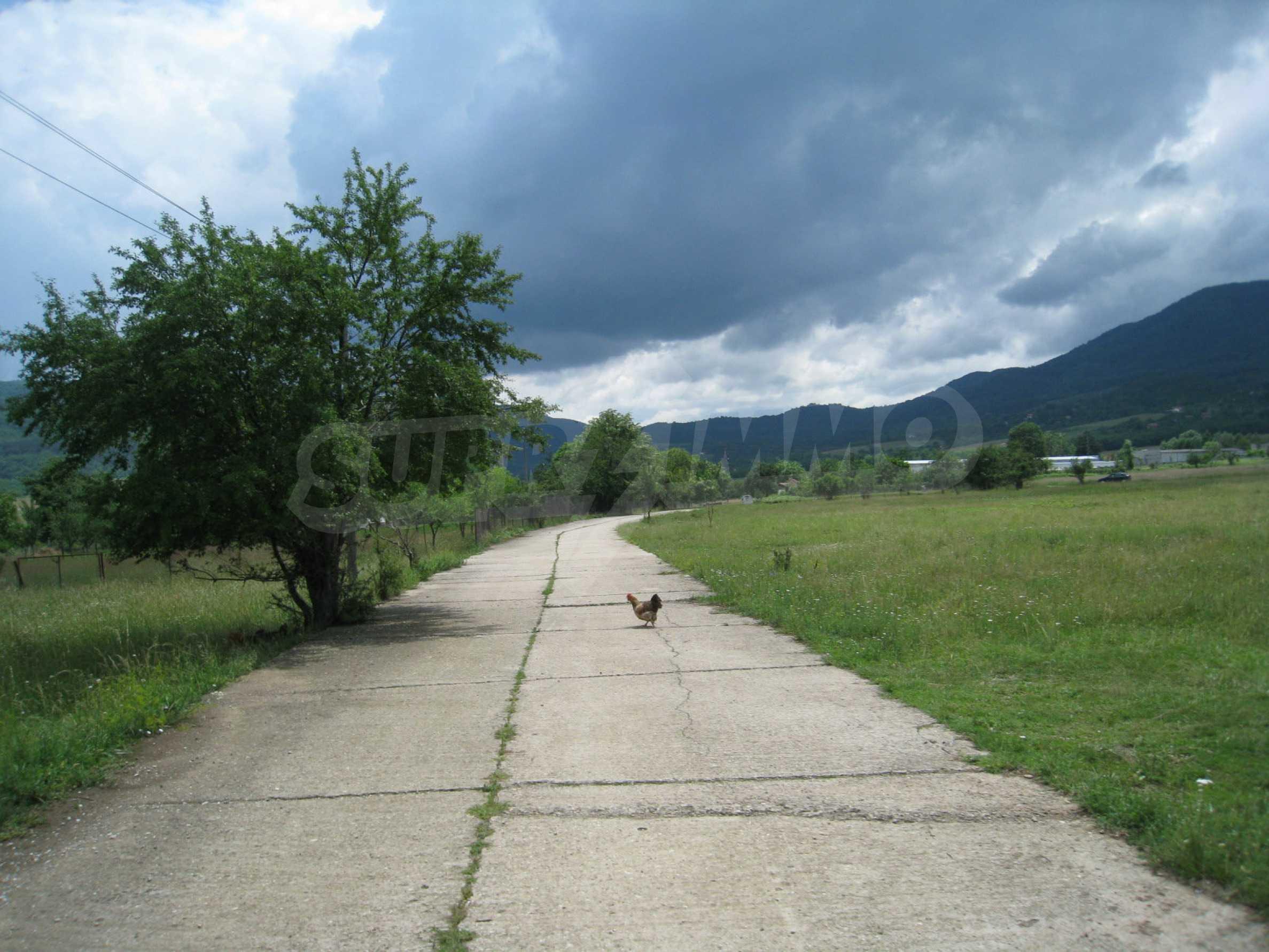 Reguliertes Grundstück mit Blick auf die Berge in der Nähe von Pravets 5
