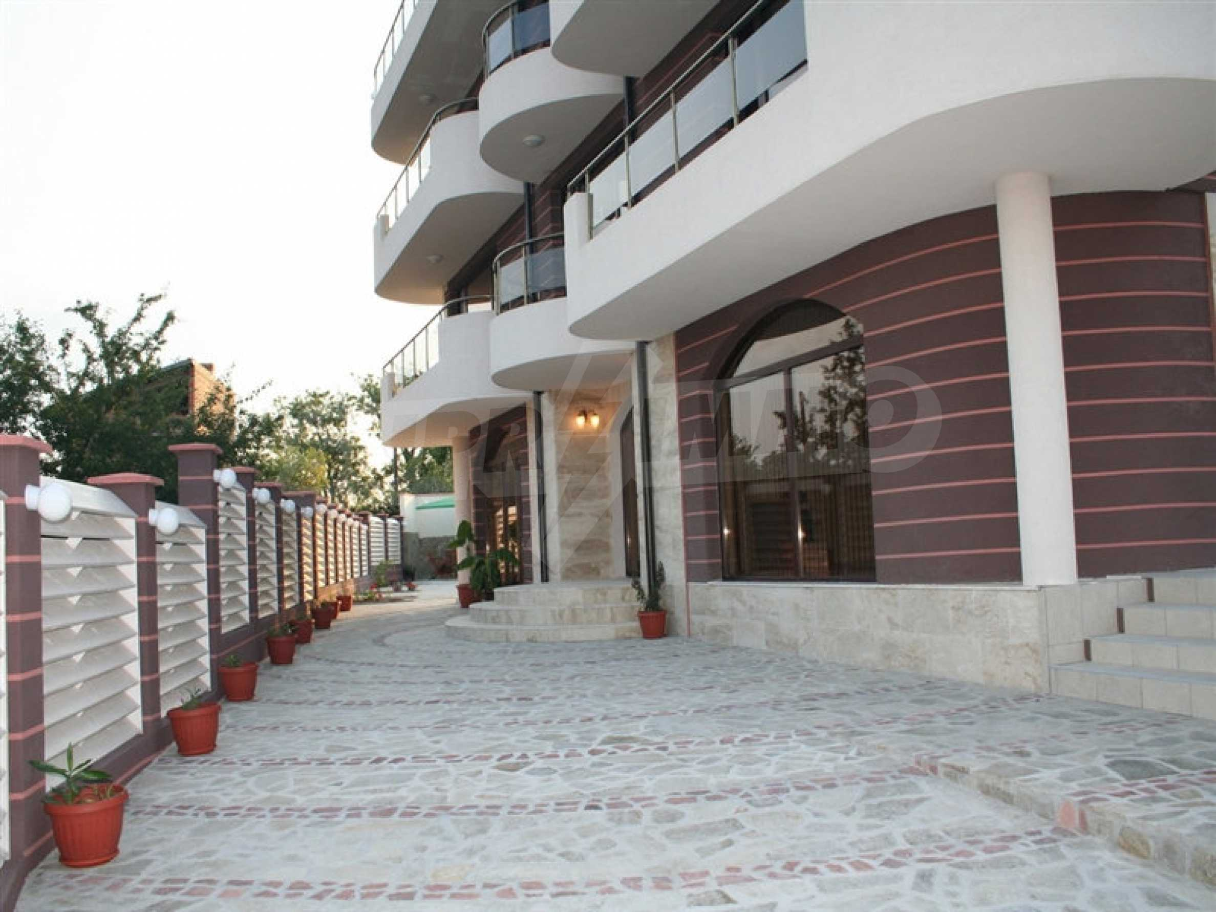 Hotel for sale in Rezovo 50