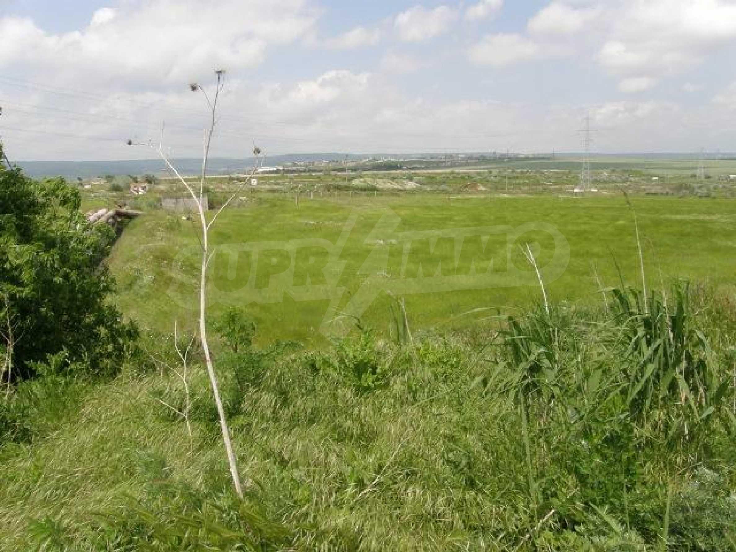 Участок земли на продажу, возле Варны