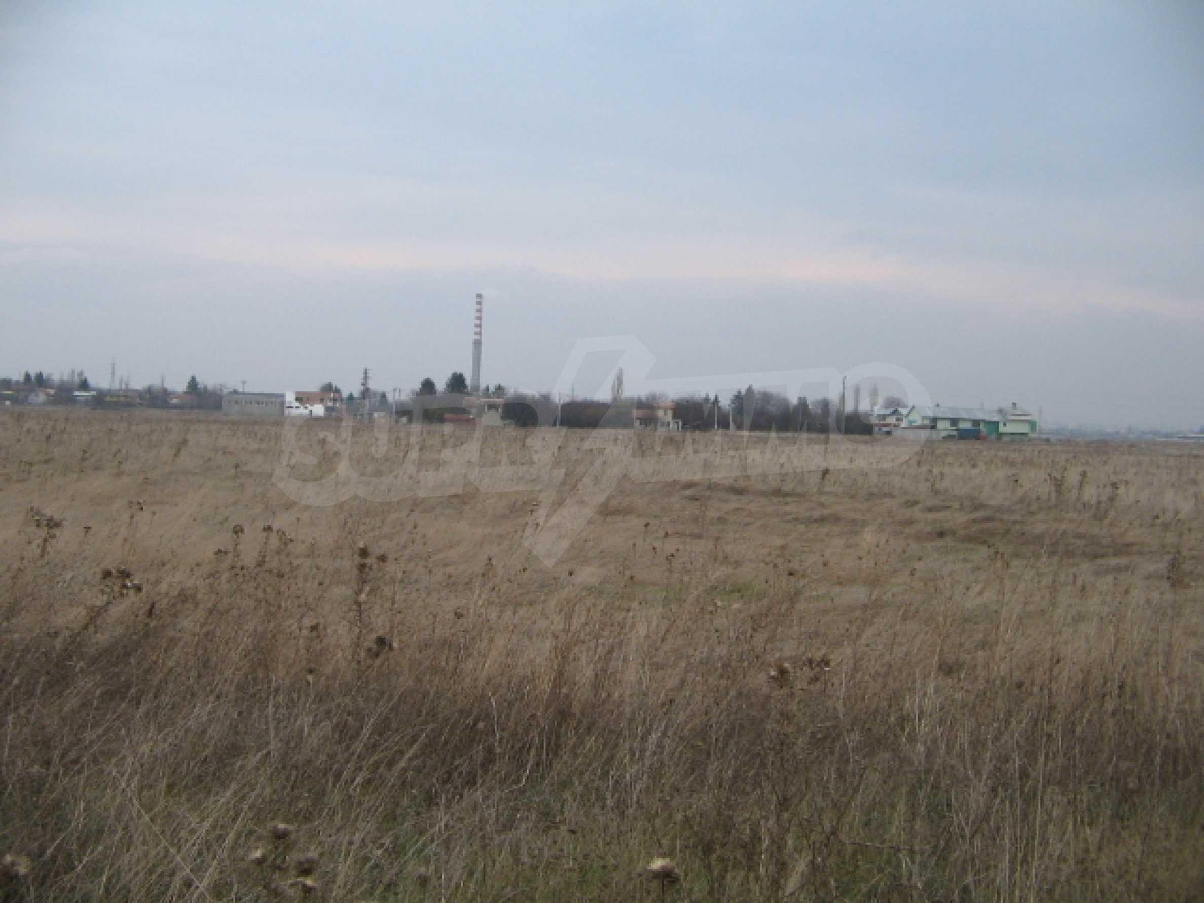 Сельскохозяйственная земля в г. София 1
