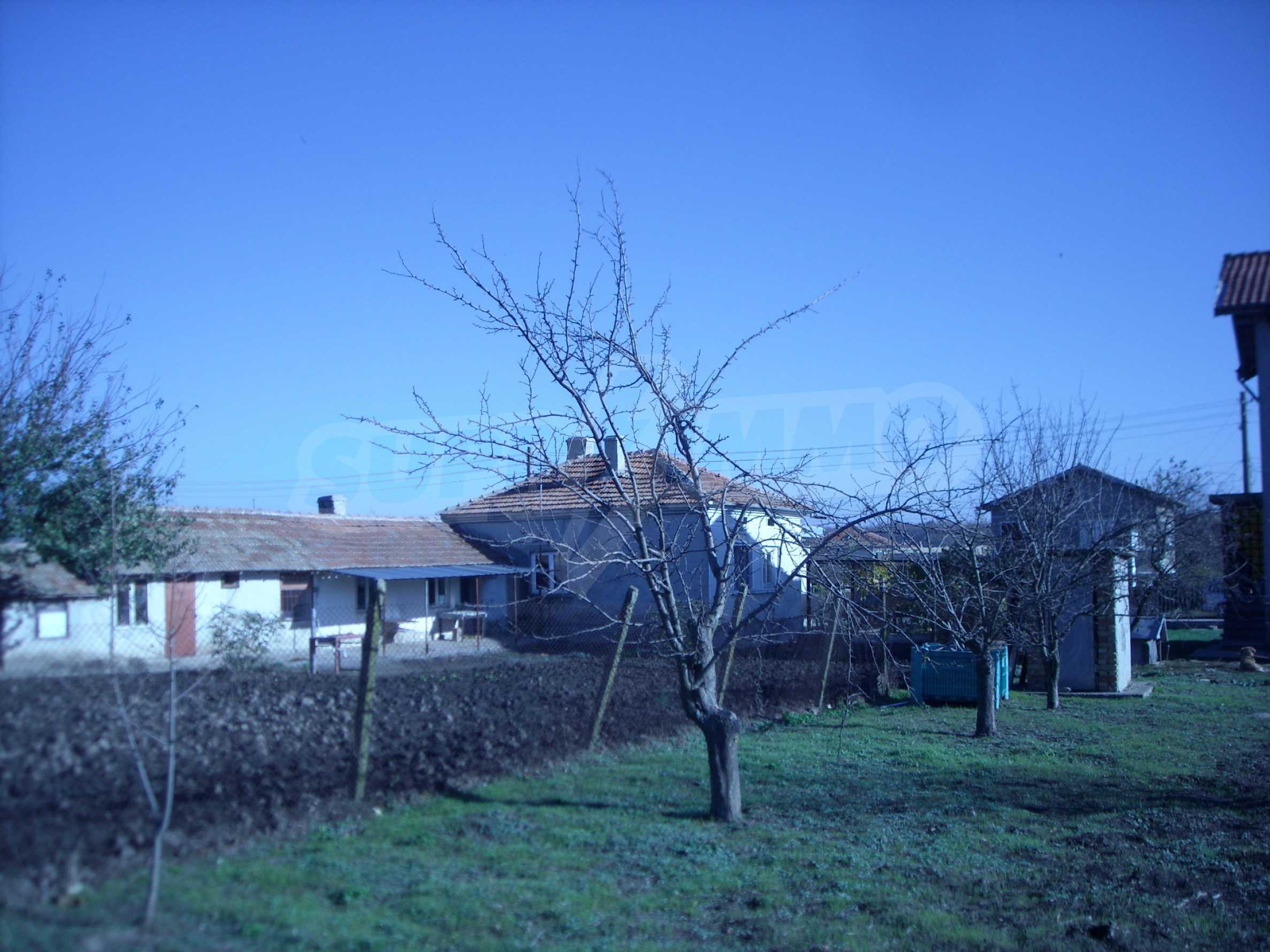 Nice big house in a village very close to the town of Dobrich 6
