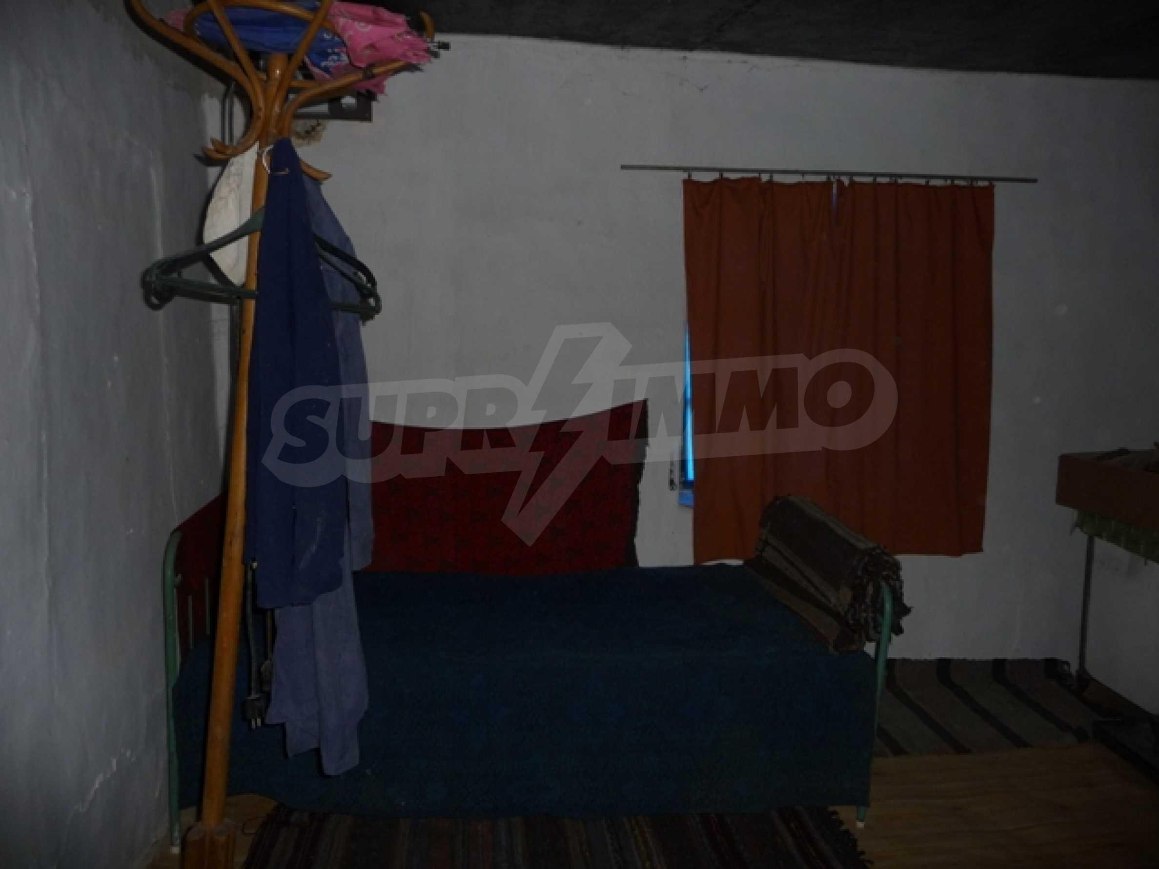 Mogila House 16