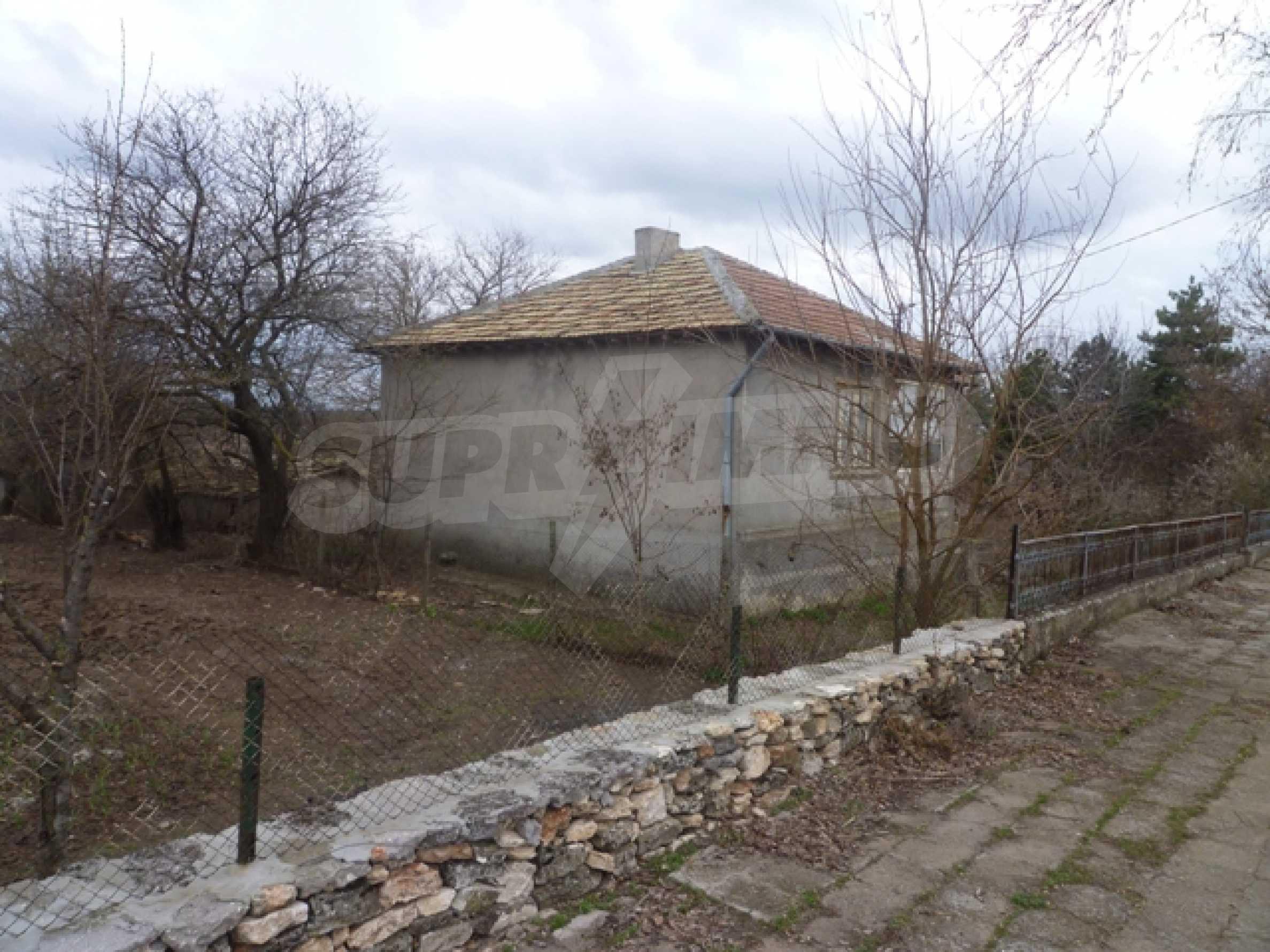 Дом близо до г. Каварна 1
