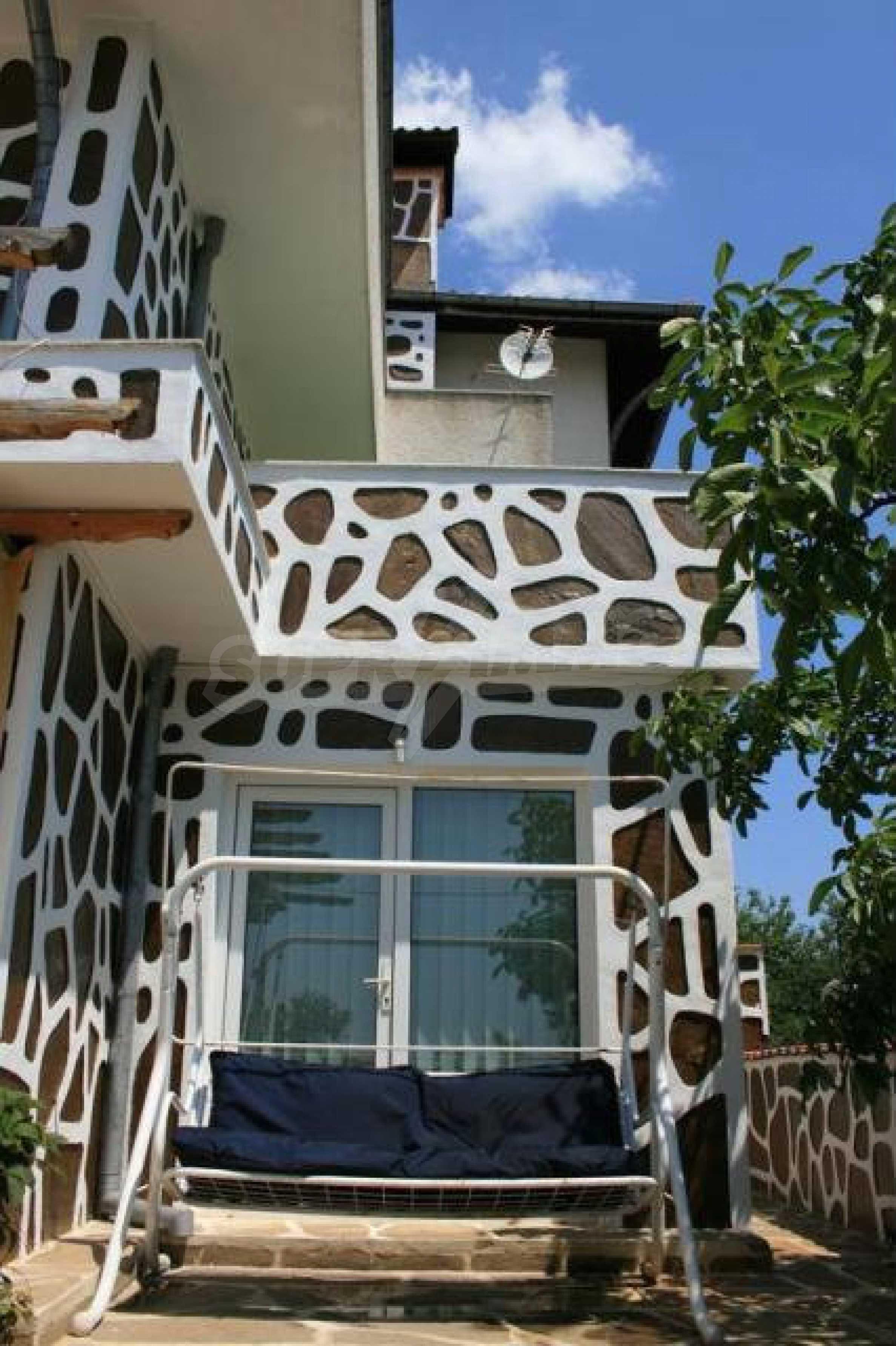 Уникальный дом возле курорта Золотые пески 1