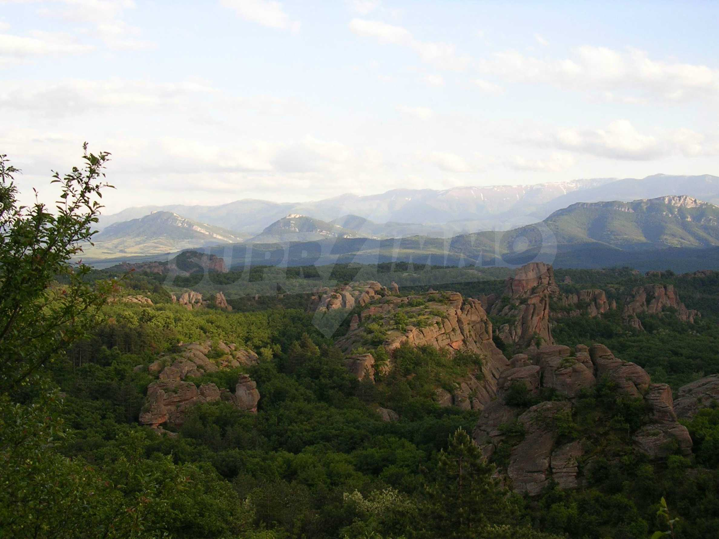 Regulated plot of land with project by the Belogradchik rocks